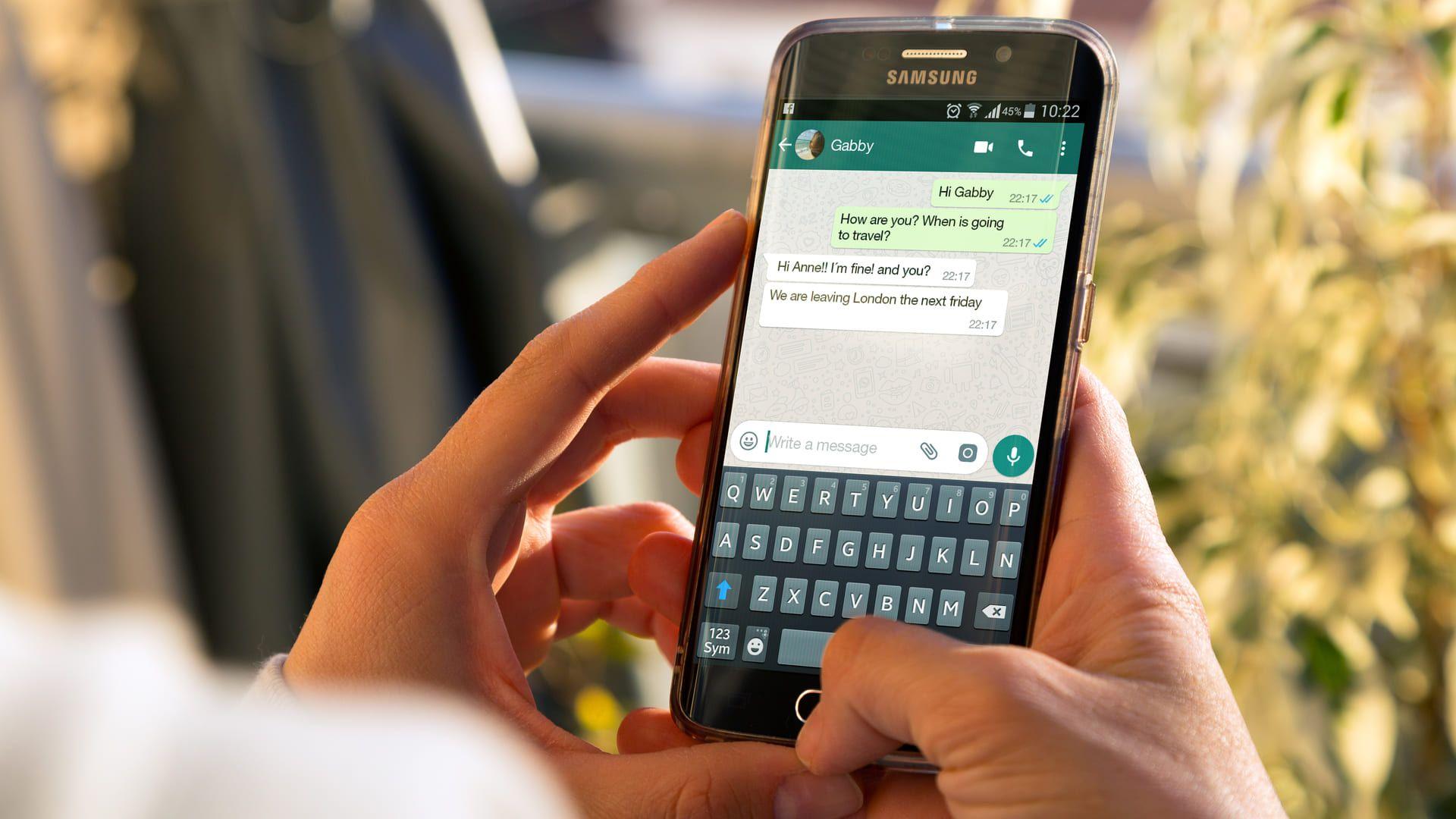 Aprenda como tirar o online no WhatsApp GB (Foto: Shutterstock)