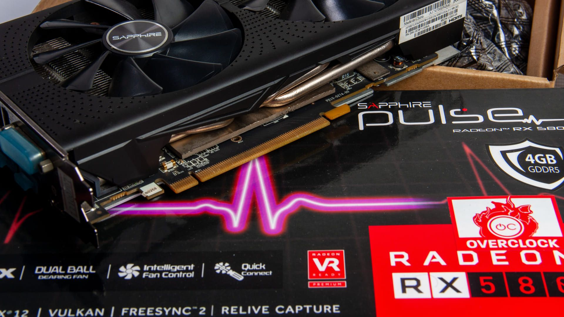Radeon RX 580 é uma placa de vídeo intermediária potente (Foto: Shutterstock/CHALERMPHON SRISANG)