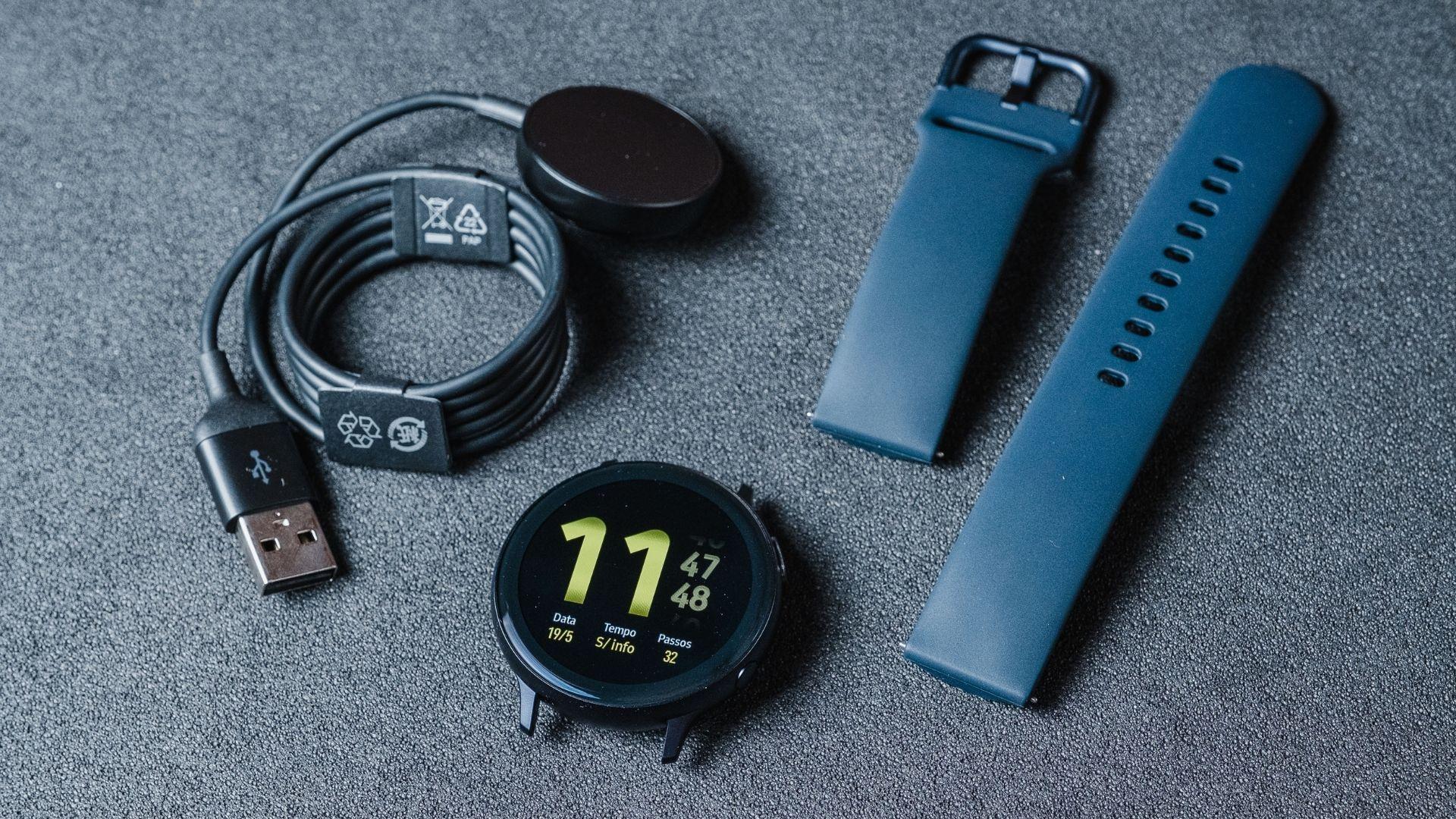 Samsung Watch Active 2 permite trocar pulseiras (Foto: Zoom)