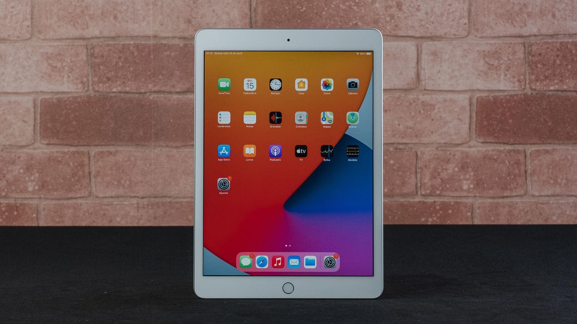 iPad 8ª geração vem com processador A12 Bionic que garante bom desempenho (Foto: Zoom)