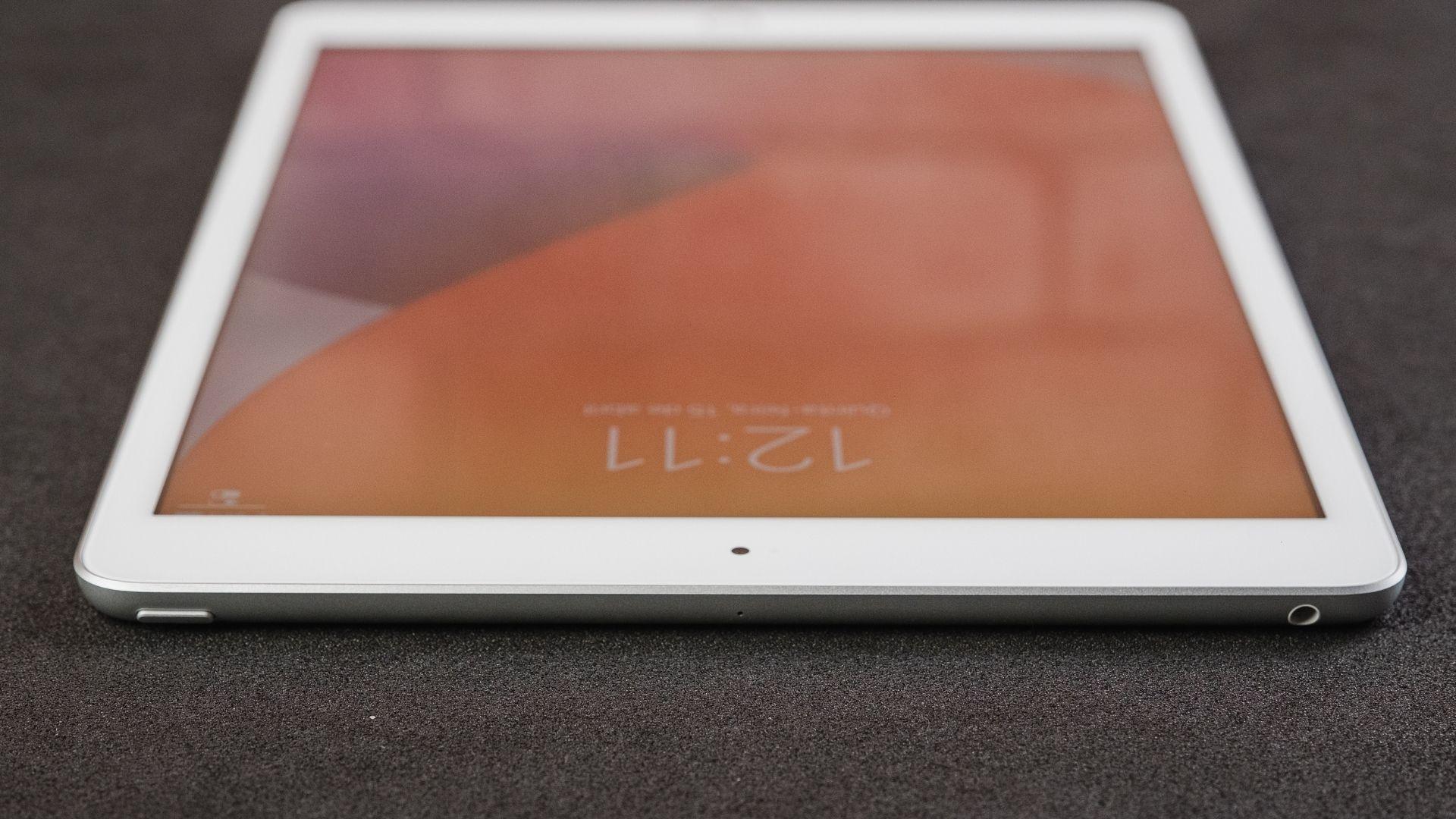 iPad 8ª geração roda sistema iPadOS 14 (Foto: Zoom)