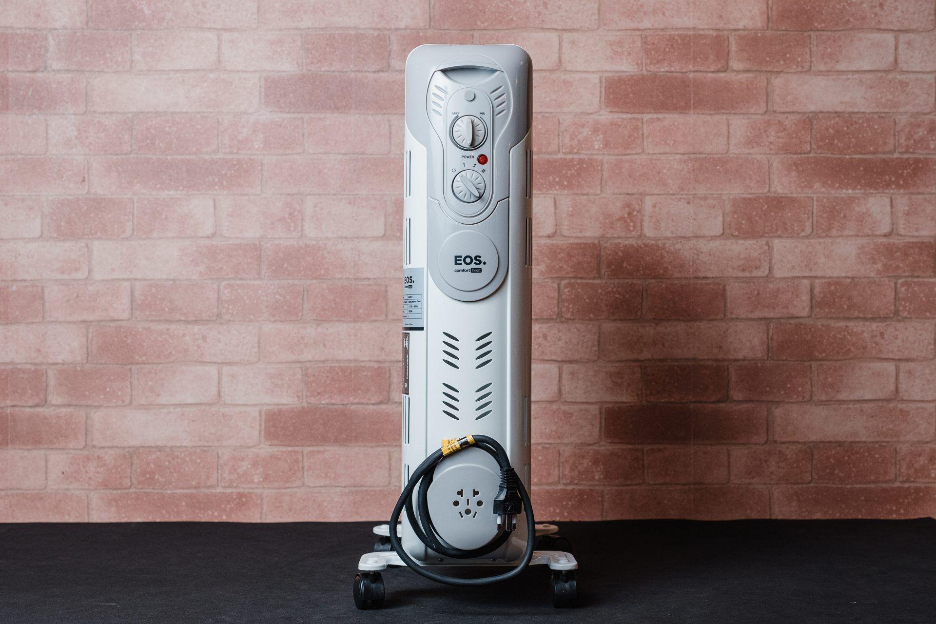 O porta-fios do aquecedor elétrico EOS Comfort Heat facilita muito o momento de armazenar o aparelho (Foto: Zoom)