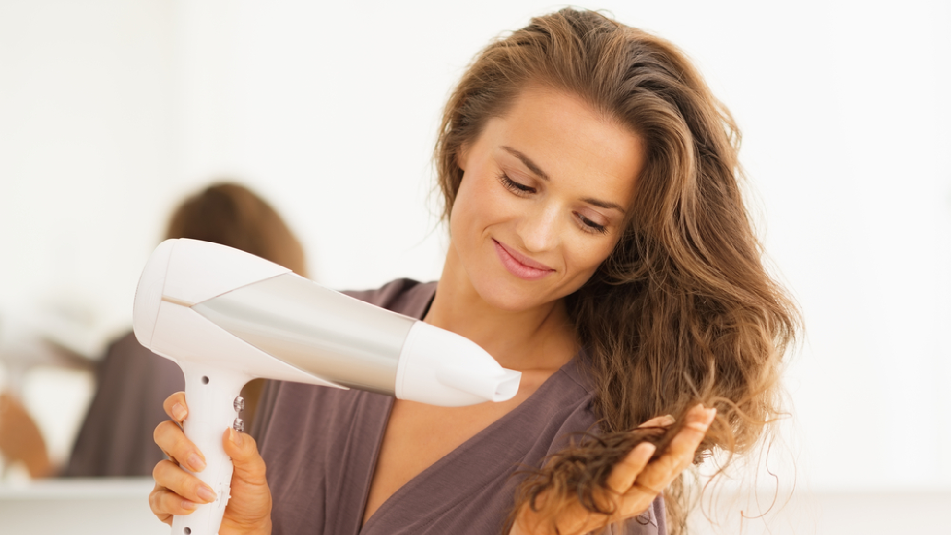 Veja a nossa seleção dos melhores secadores de cabelo Taiff de 2021! (Imagem: Reprodução/Shutterstock)