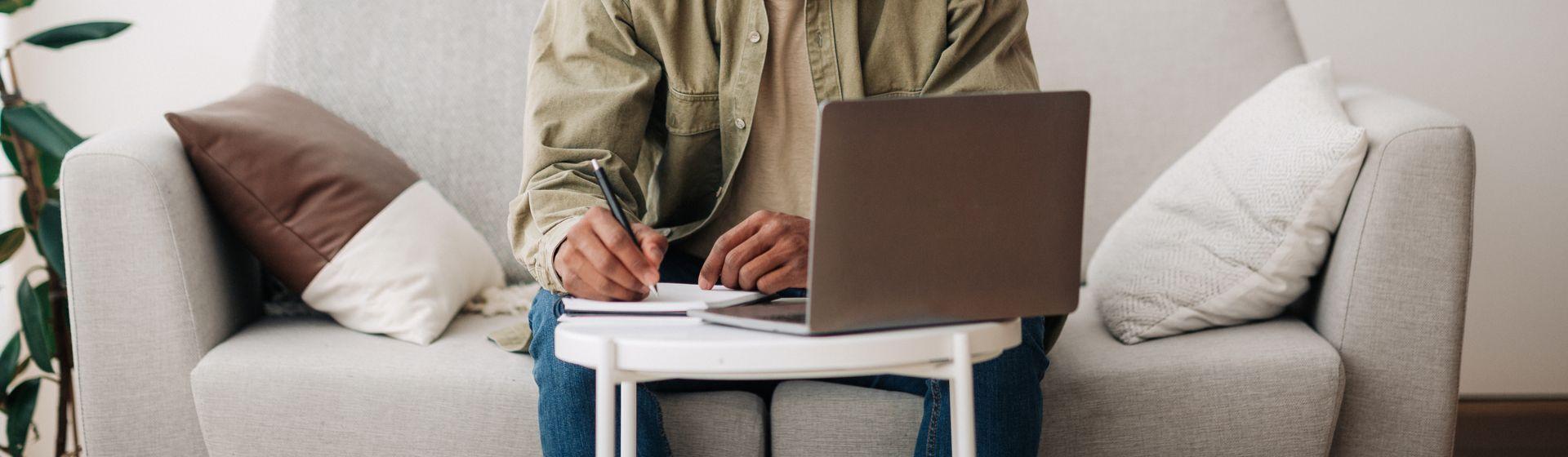 Melhor suporte para notebook: veja top 10 com os melhores modelos