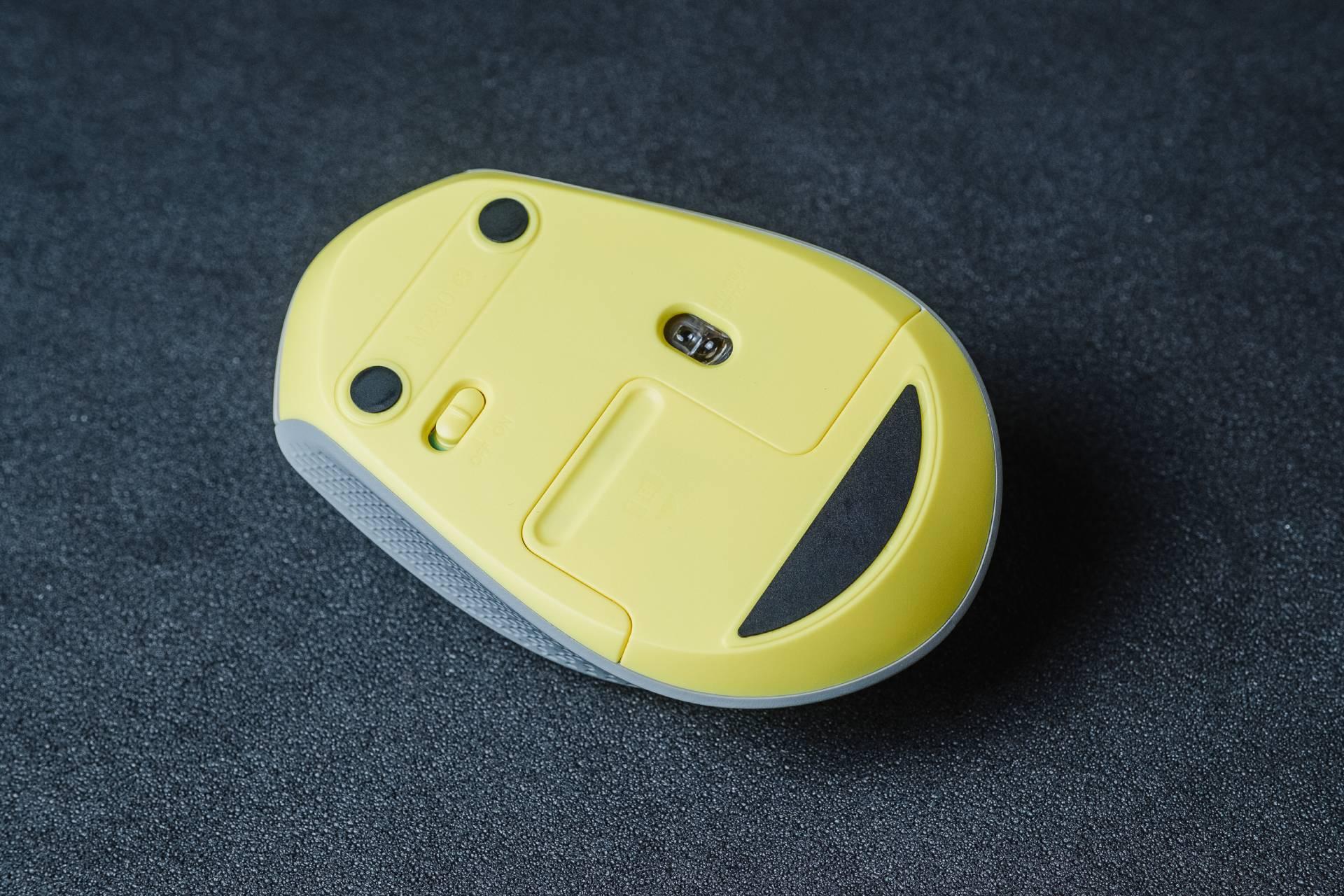 """Esse """"Pikachu"""" não dá """"Choque do Trovão"""", mas te ajuda no escritório"""