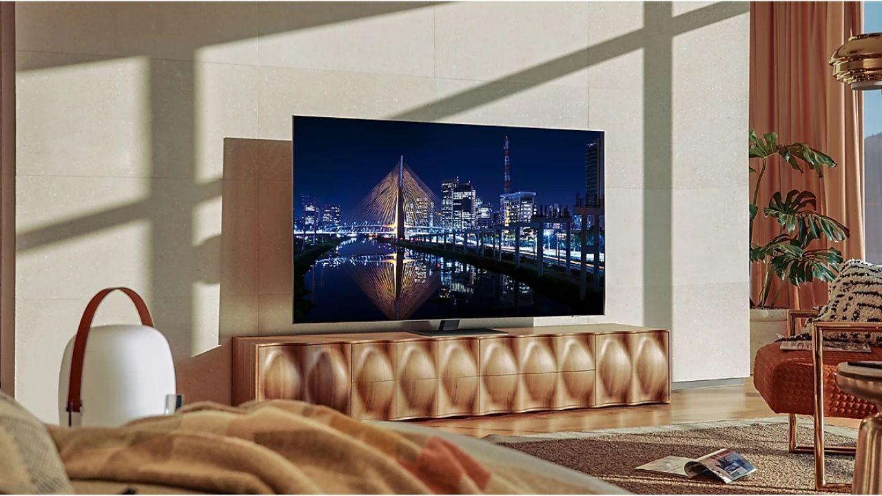 As TVs Neo QLED têm design ultrafino e painel mini LED (Foto: Divulgação/Samsung)
