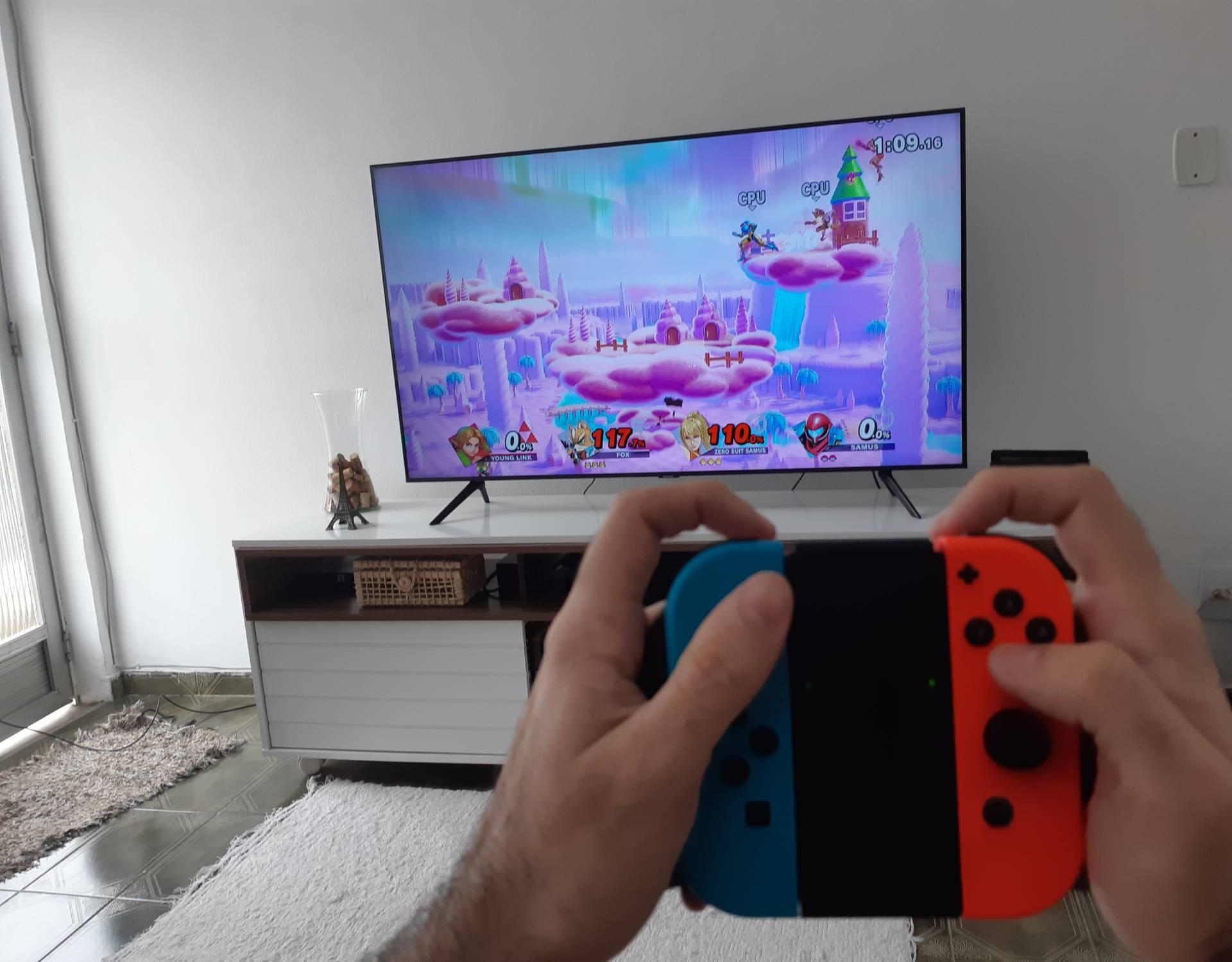 A forma tradicional de se jogar videogame também é uma possibilidade com o Nintendo Switch
