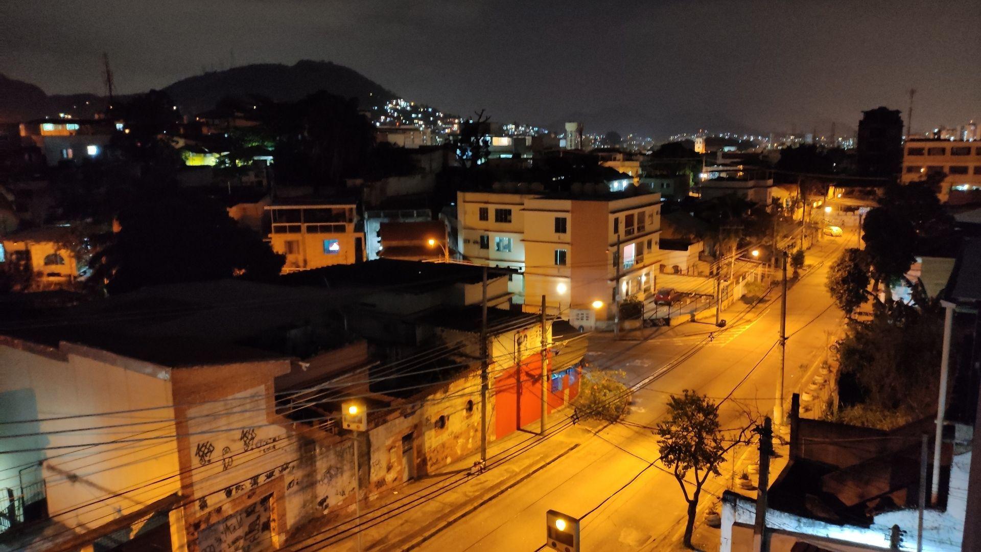 Foto tirada feita à noite com o Poco X3 NFC (Foto: Zoom)