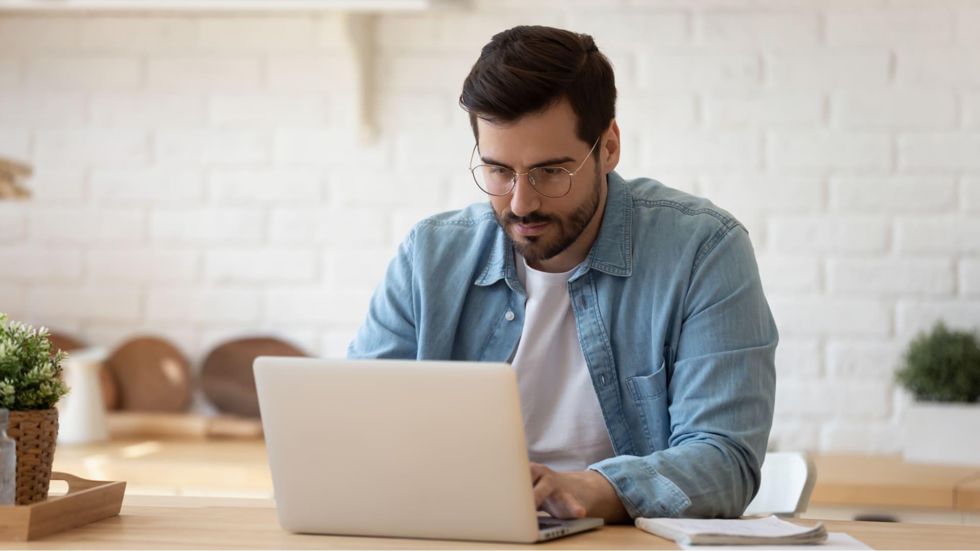 Aprender a como abrir guia anônima pode garantir uma navegação muito mais segura (Foto: Shutterstock)