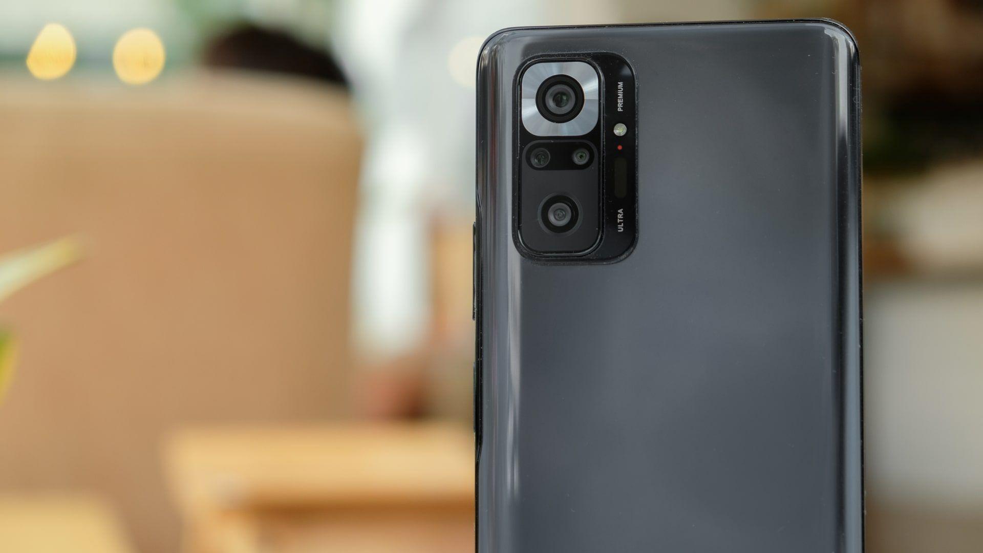 Redmi Note 10 Pro tem câmera quádrupla com sensor de 108 MP (Foto: Shutterstock)