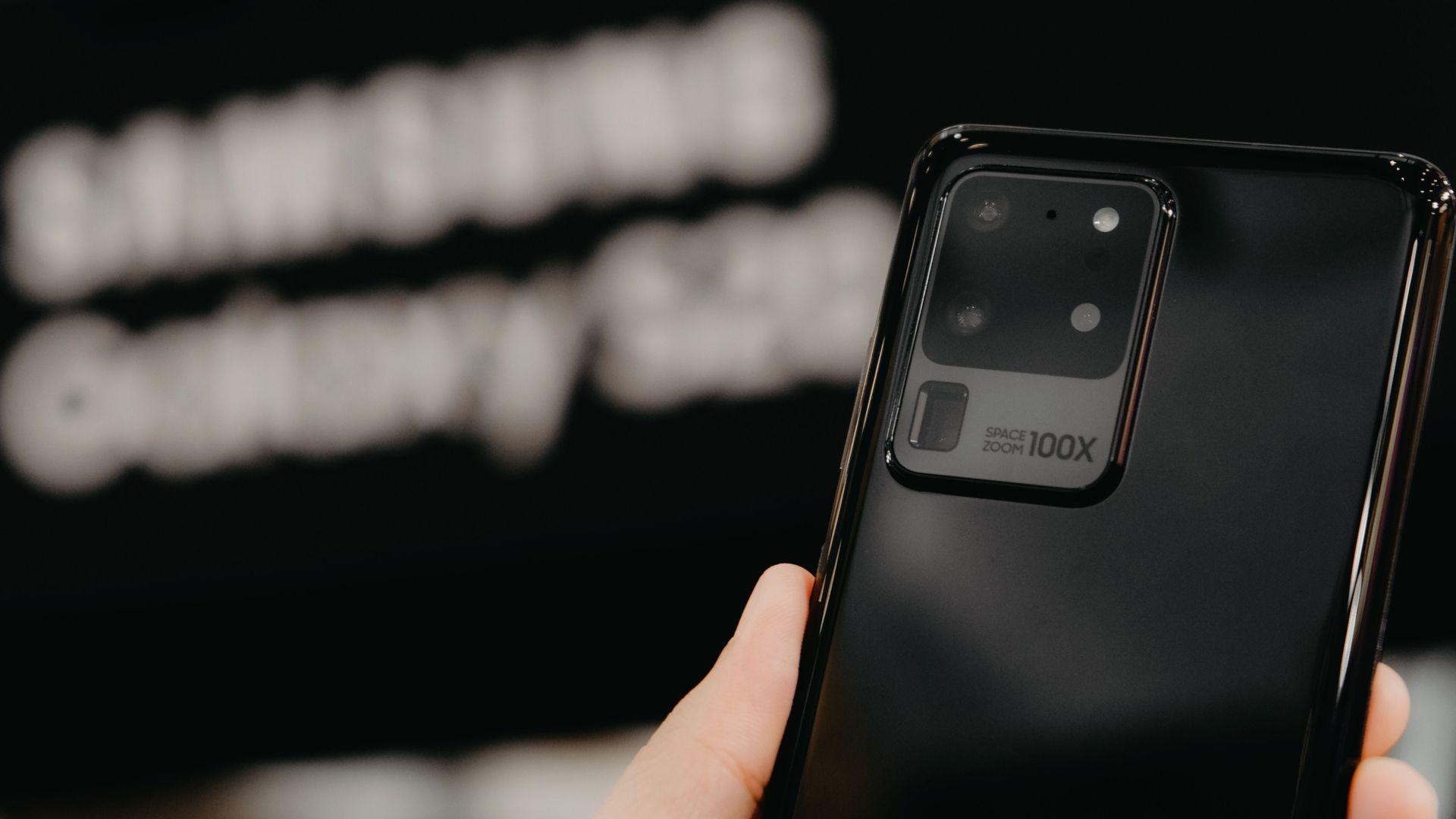 O Galaxy S20 Ultra tem as melhores câmeras entre os modelos Samsung Galaxy S de 2020. (Foto: Shutterstock)