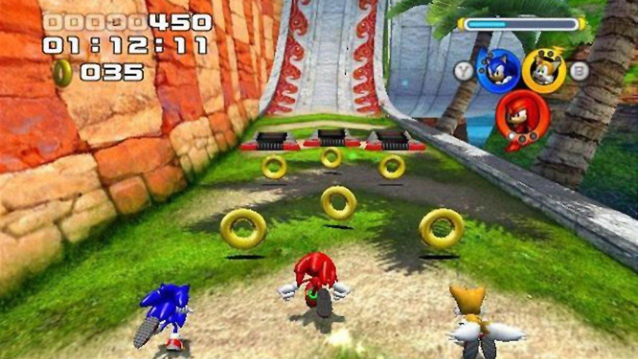 Em Sonic Heroes o jogador podia usar as habilidades diferentes dos personagens de seu time para progredir (Reprodução: Rocky Bytes)