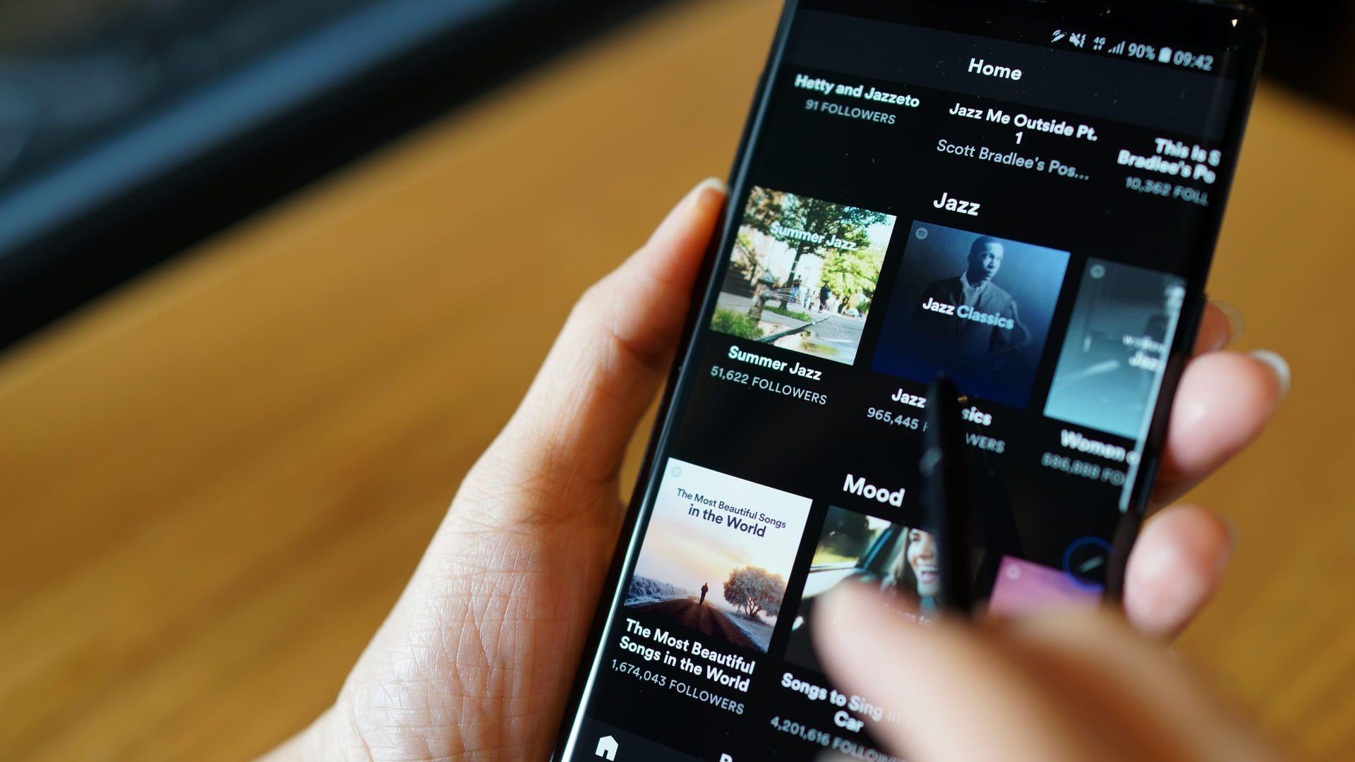 O Spotify Greenroom promete mudar sua experiência com conteúdos por áudio em tempo real! (Foto: Shutterstock)