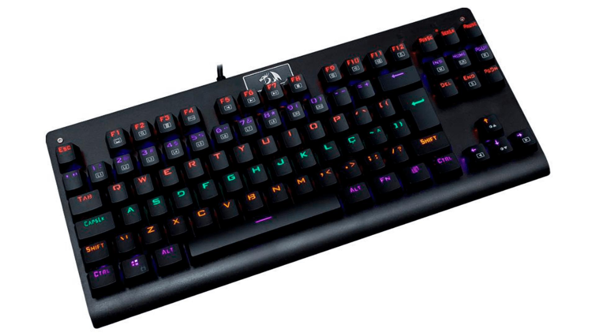 O teclado mecânico Redragon Dark Avenger Outemu Blue Rainbow é uma excelente opção custo-benefício (Foto: Divulgação/Redragon)
