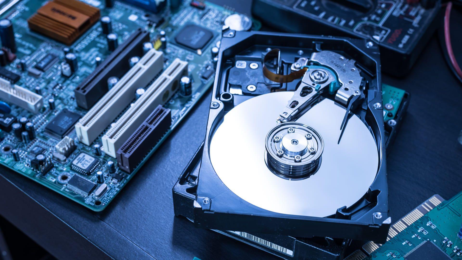 A troca do HD também pode ser exigida dependendo do erro (Foto: Reprodução/Shutterstock)