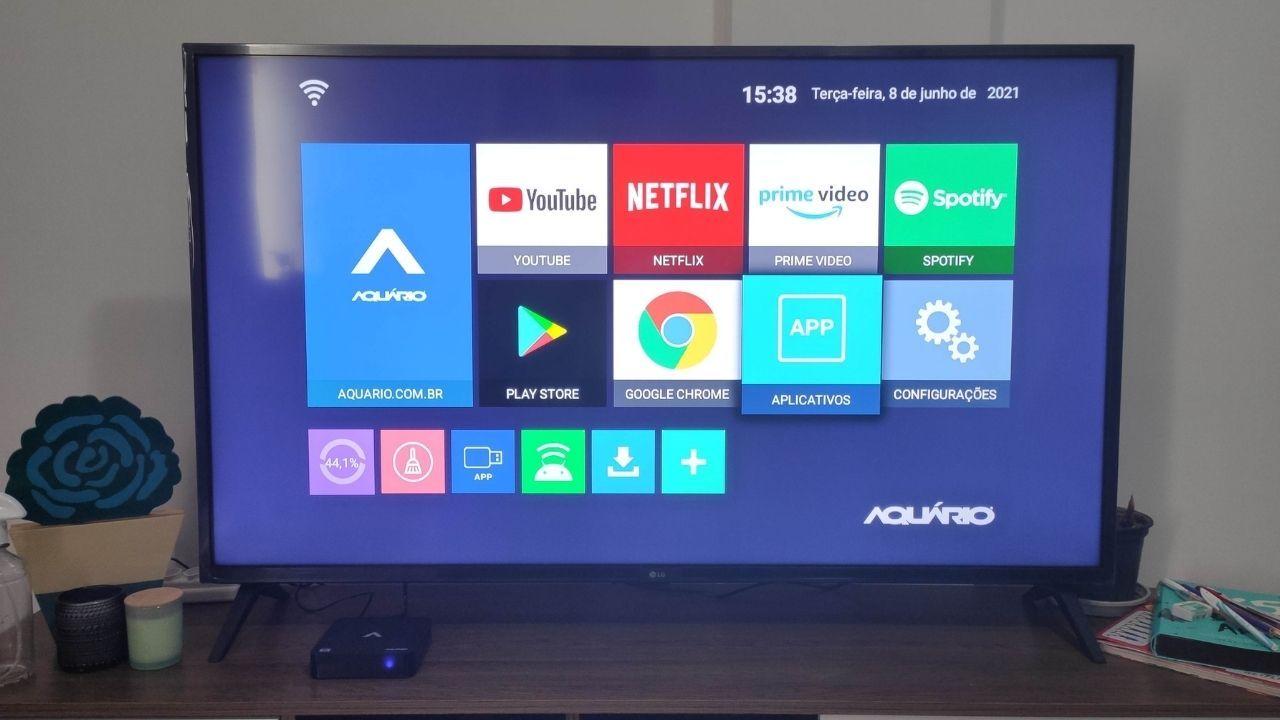 Interface do menu principal da smart TV box Aquário STV-2000 (Foto: Arquivo pessoal/Gabrielle Nunes)