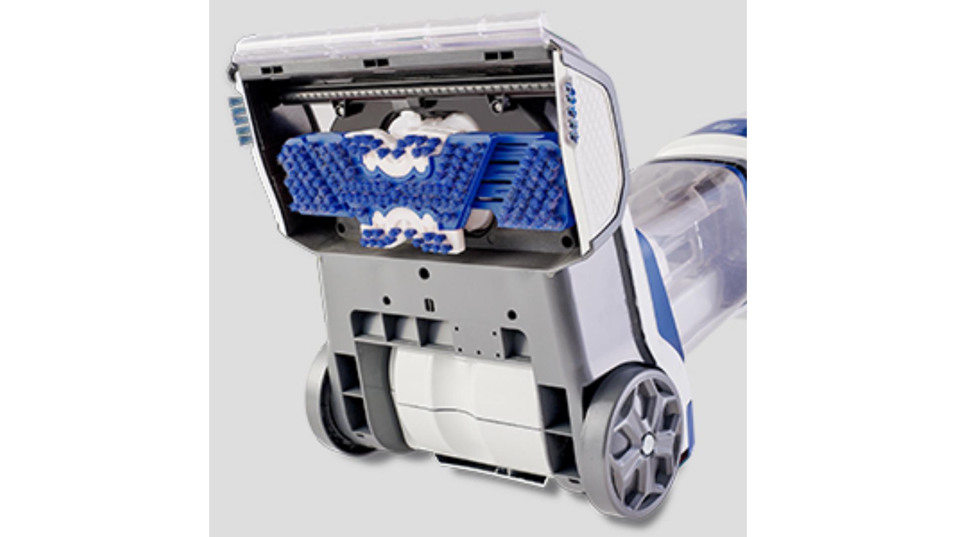 A WAP Comfort Cleaner Pro tem escovas elétricas na parte debaixo para ajudar na limpeza de tapetes e carpetes. (Imagem: Divulgação/WAP)