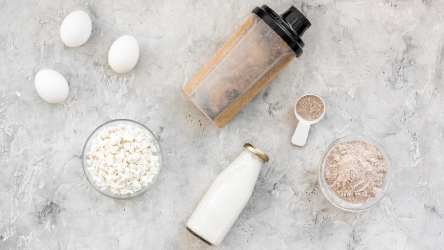 O Whey Protein também pode ser utilizado para ganhar massa (Imagem: Reprodução/Shutterstock)