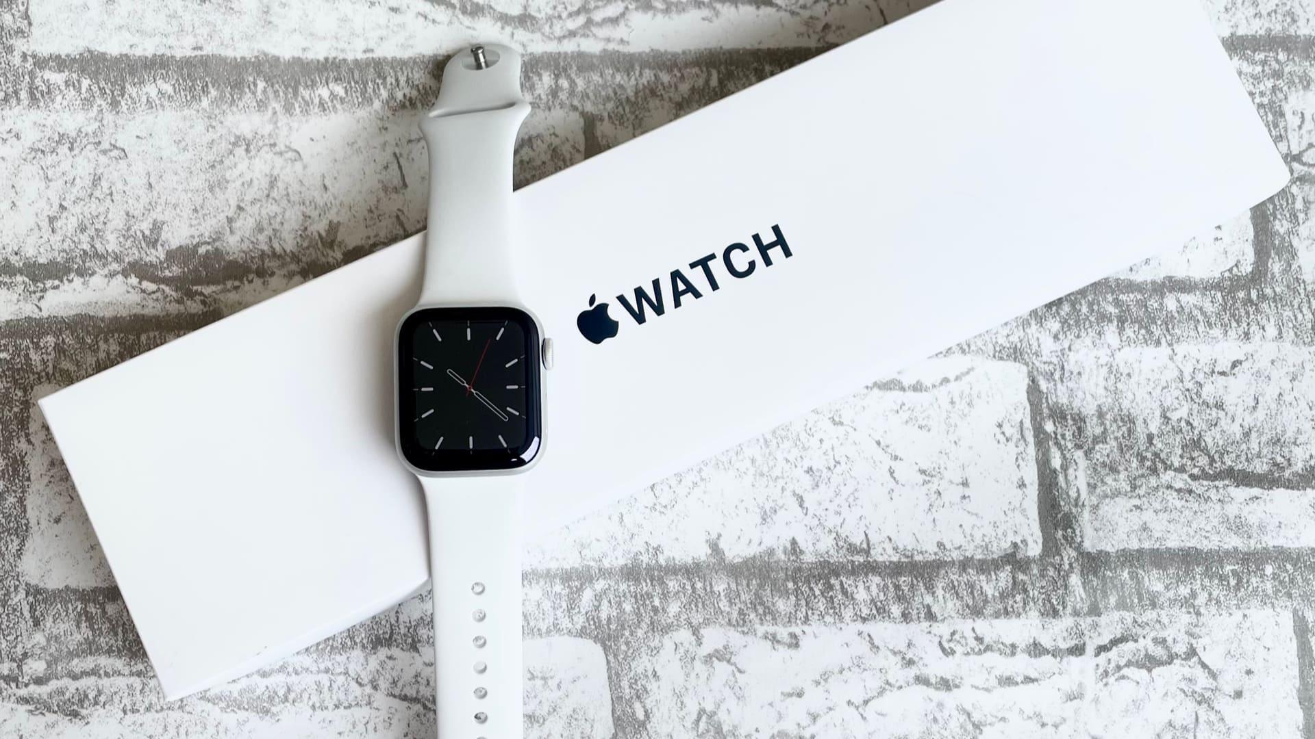 Smartwatch Apple Watch SE é um modelo mais básico (Foto: Shutterstock)