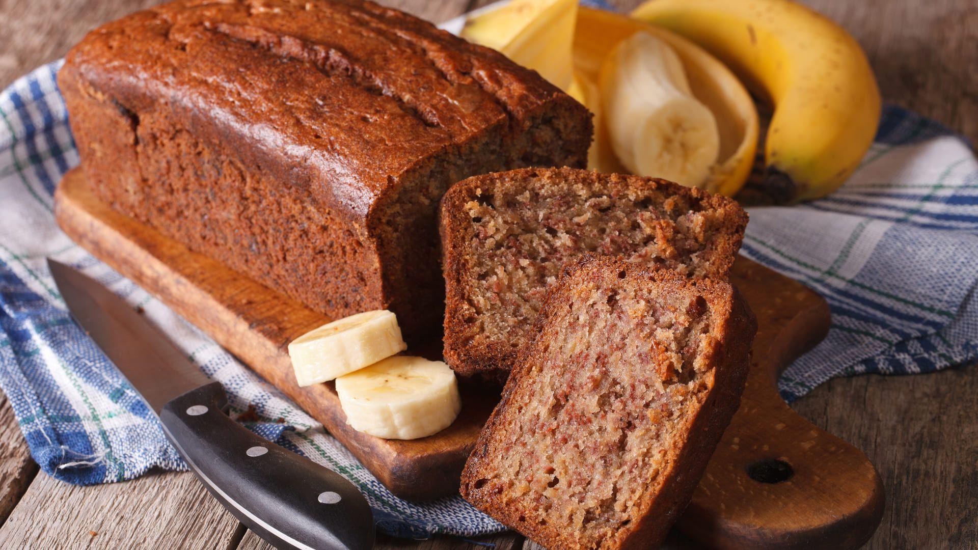 O bolo de banana na airfryer se tornará seu lanche preferido. Confira a receita! (Imagem: Reprodução/Shutterstock)