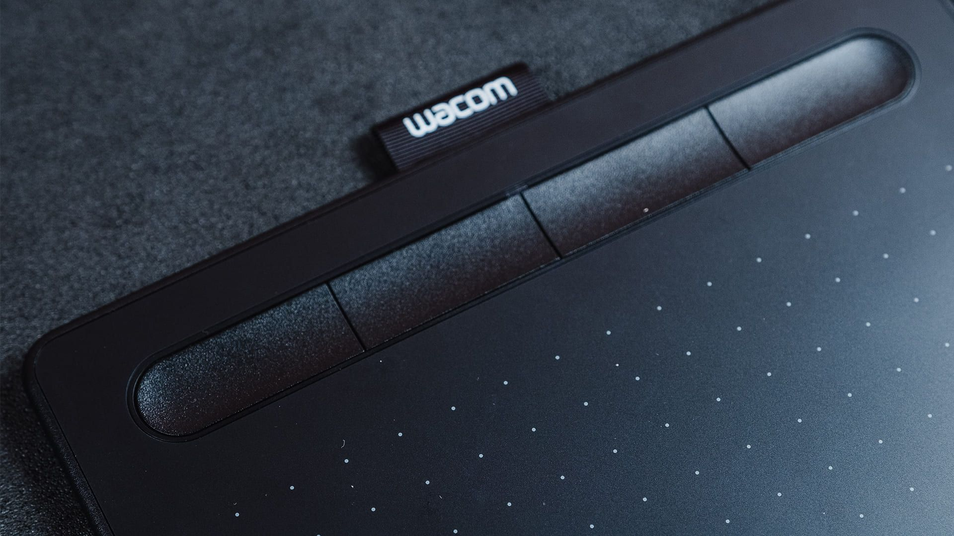 Wacom Intuos CTL 4100 possui 4 botões personalizáveis (Foto: Zoom)