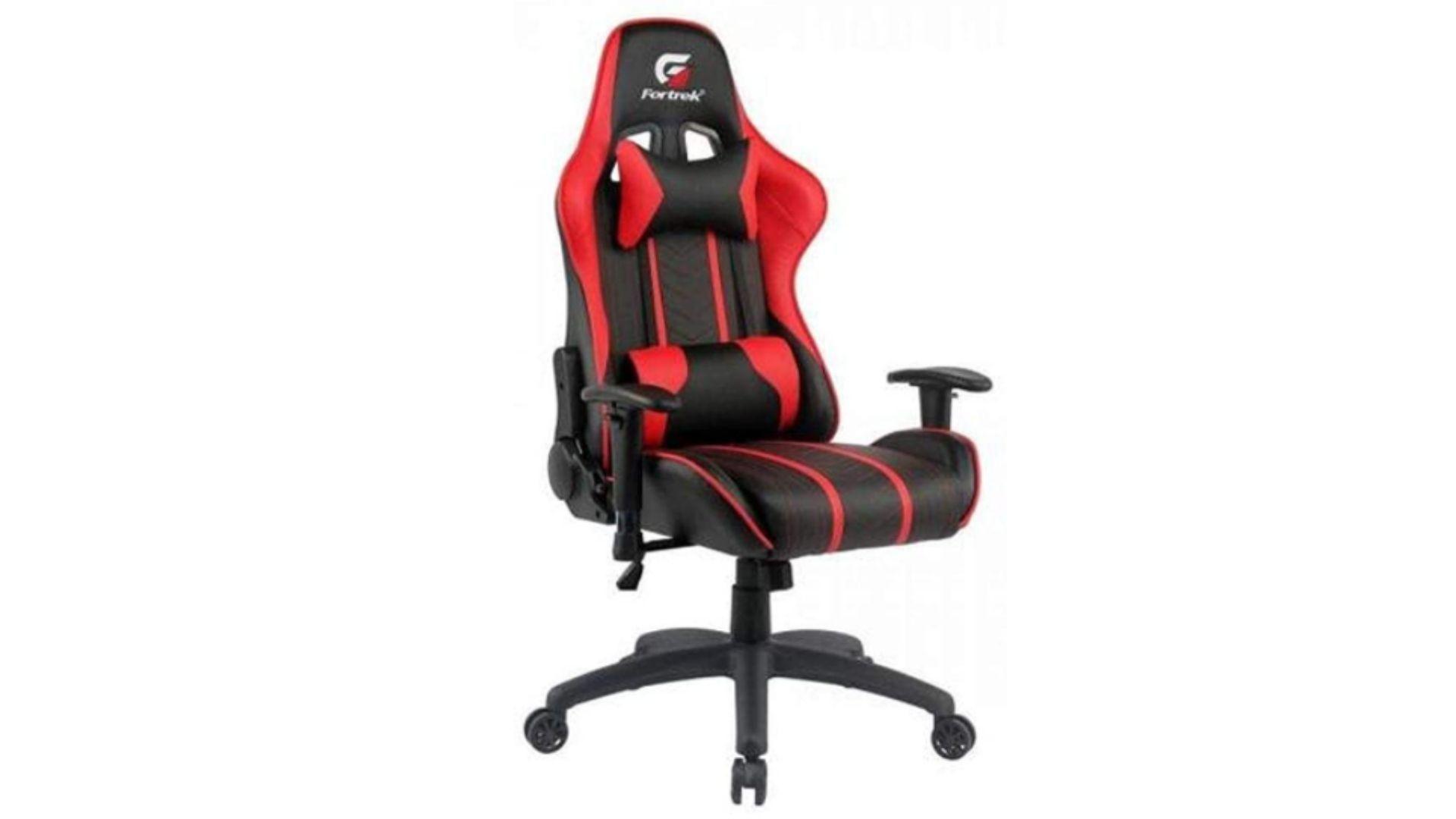 Fortrek Black Hawk é o modelo de cadeira gamer vermelha mais recomendado para os usuários (Foto: Divulgação/Fortrek)