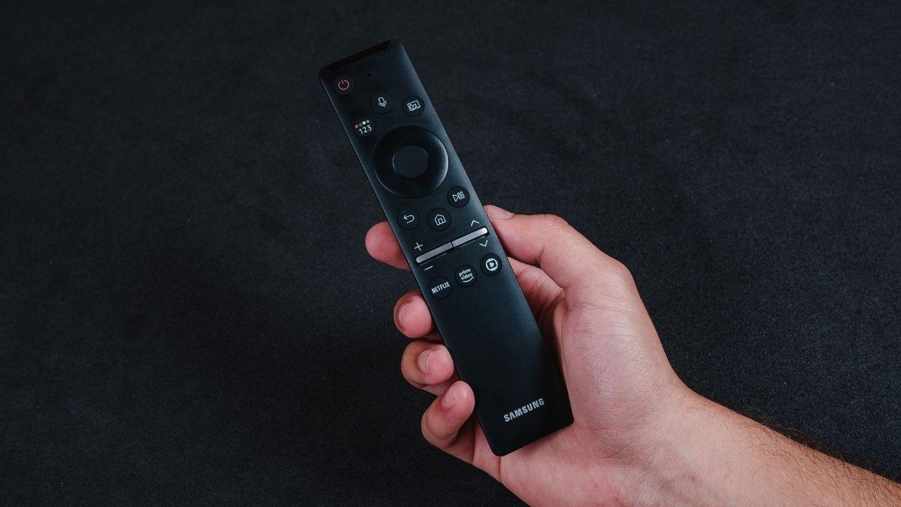 O controle único é muito prático e fácil de usar (Foto: Zoom)