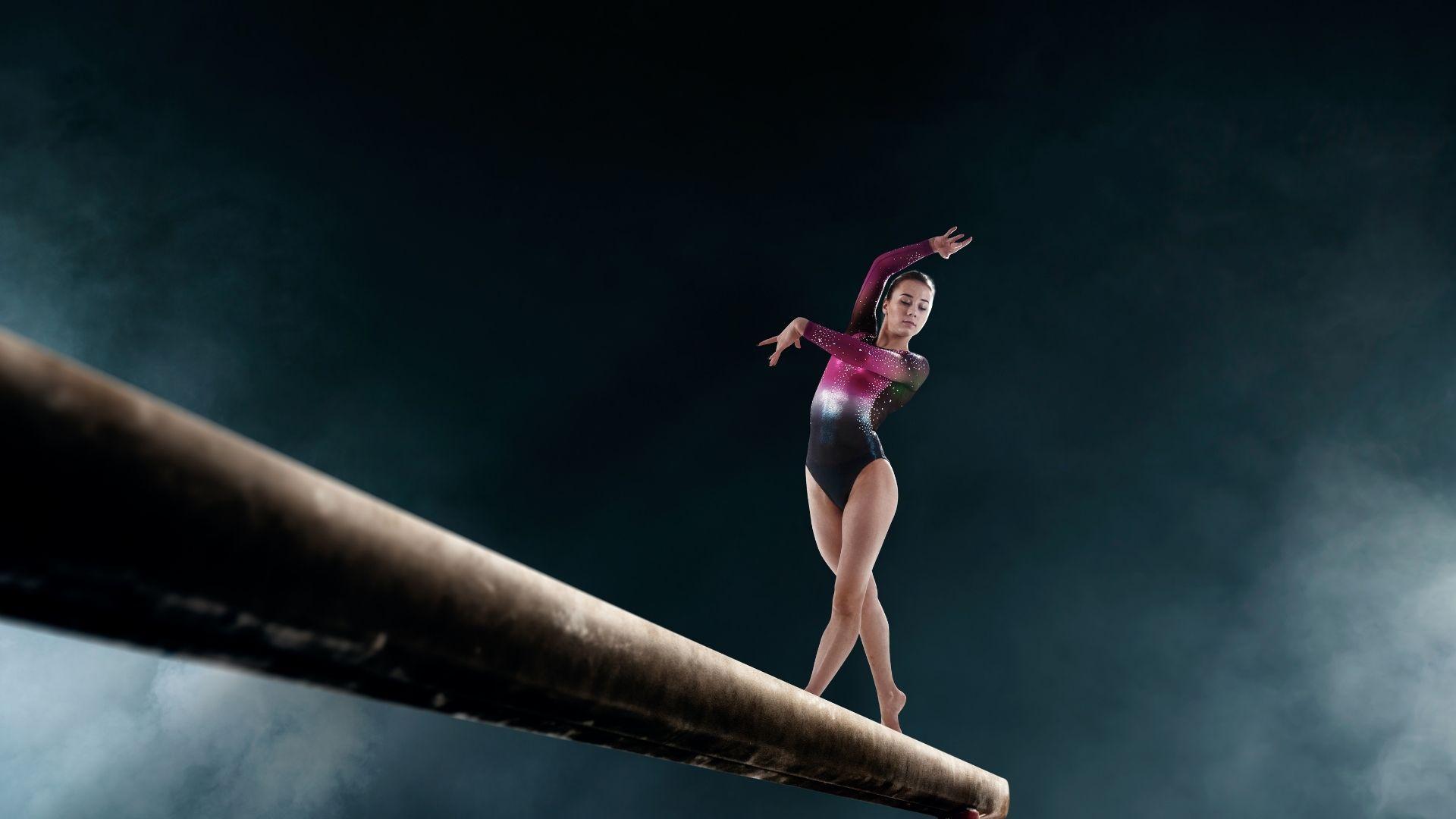 Ginástica tem variações: artística, rítmica e de trampolim (Shutterstock)