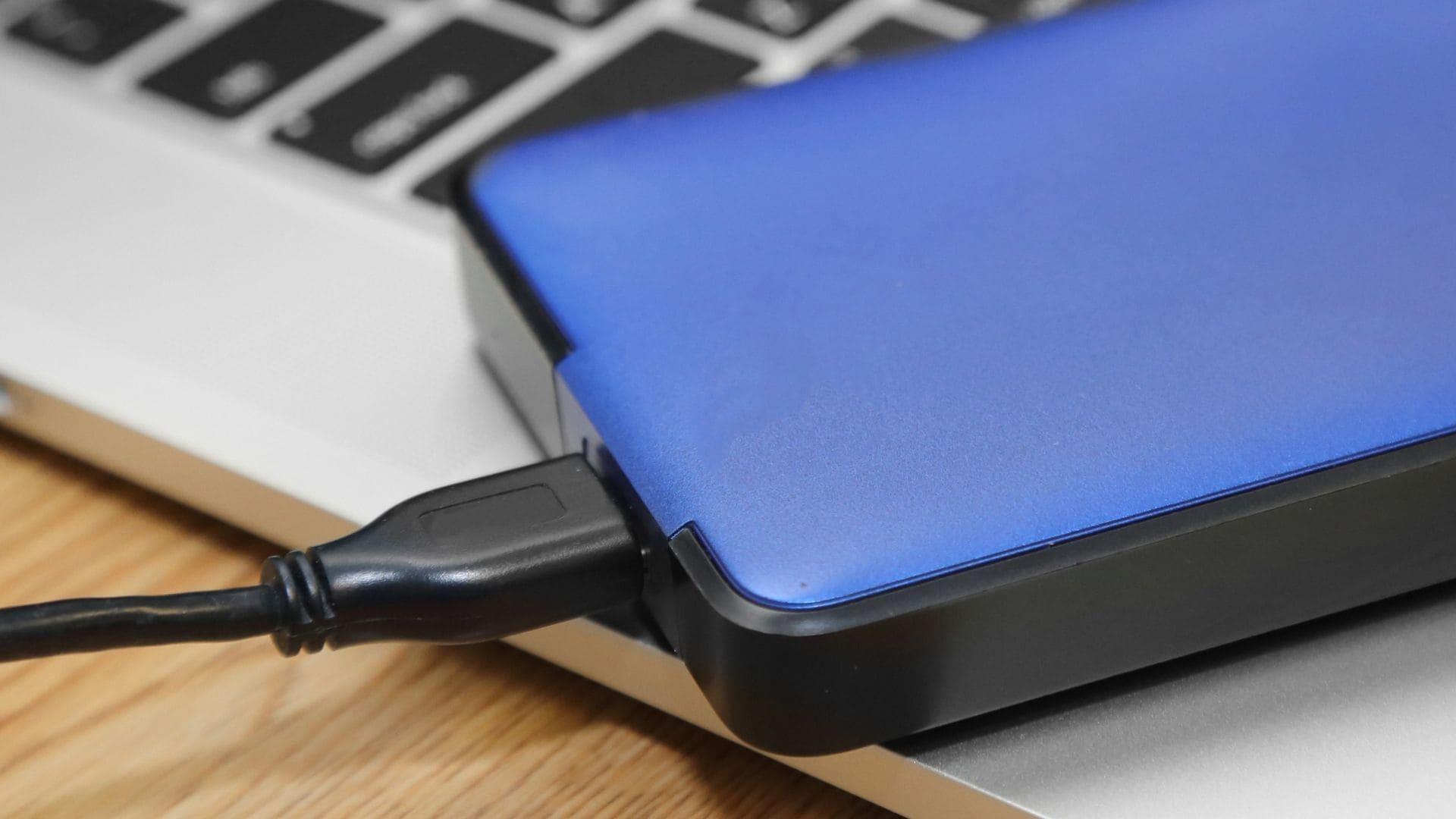 HD externo 1TB com cabo USB