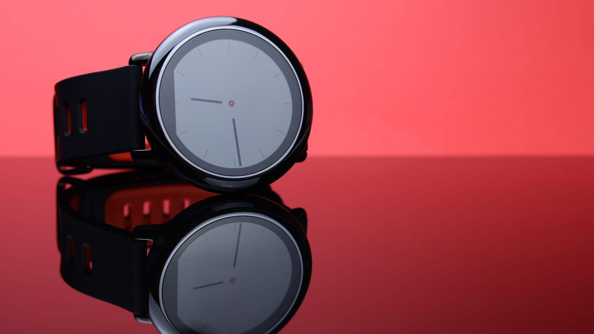 Smartwatch redondo alia tecnologia e design (Foto: Shutterstock)