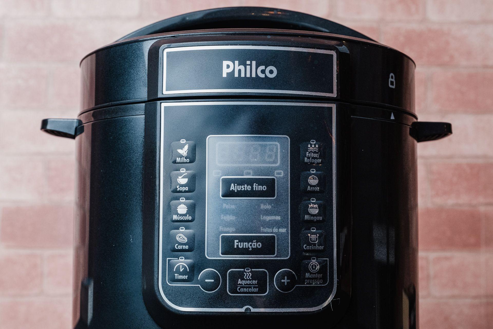 O painel de controle da Philco Digital Inox (Foto: Zoom)