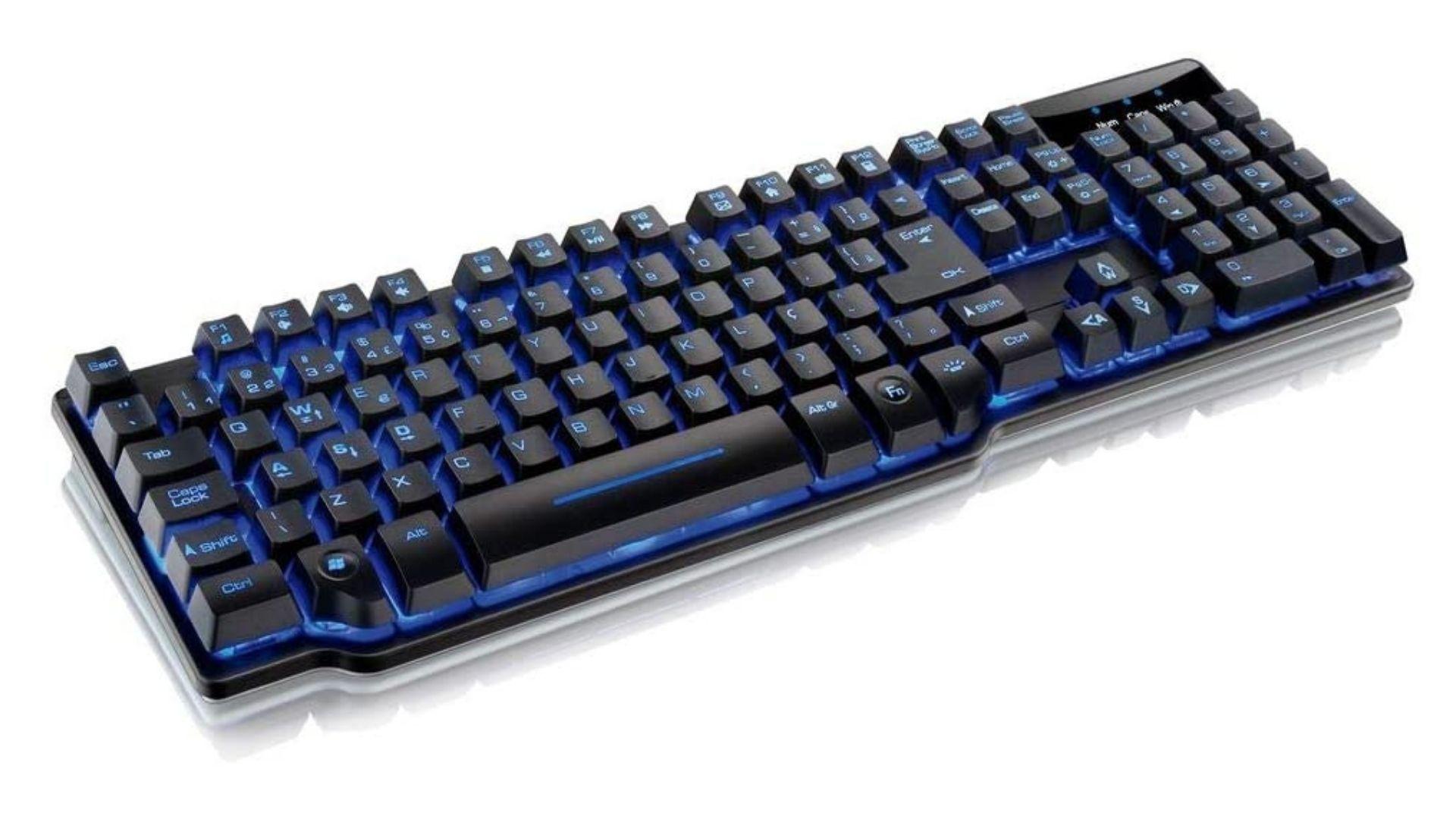 O teclado semi mecânico Warrior TC196 é um dos mais conhecidos da Multilaser. (Fonte: Reprodução)