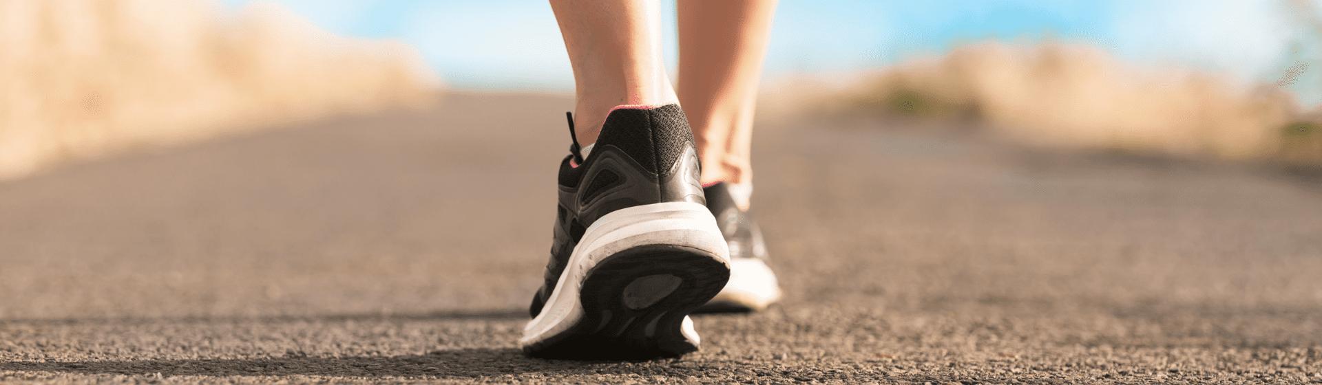 Tênis feminino para caminhada: 7 opções para comprar em 2021