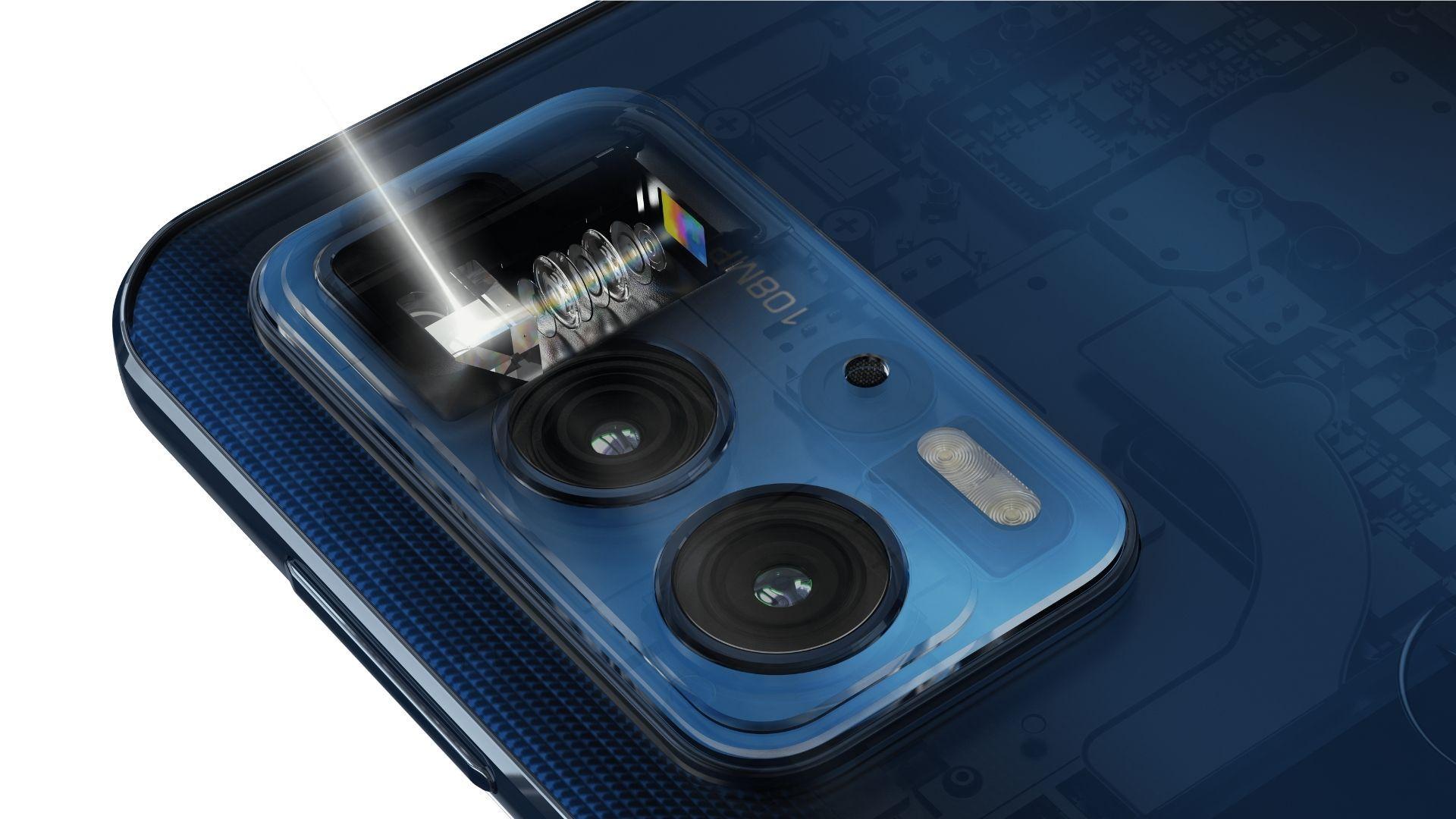 Imagem mostra conjunto de câmeras do celular Motorola Edge 20 Pro