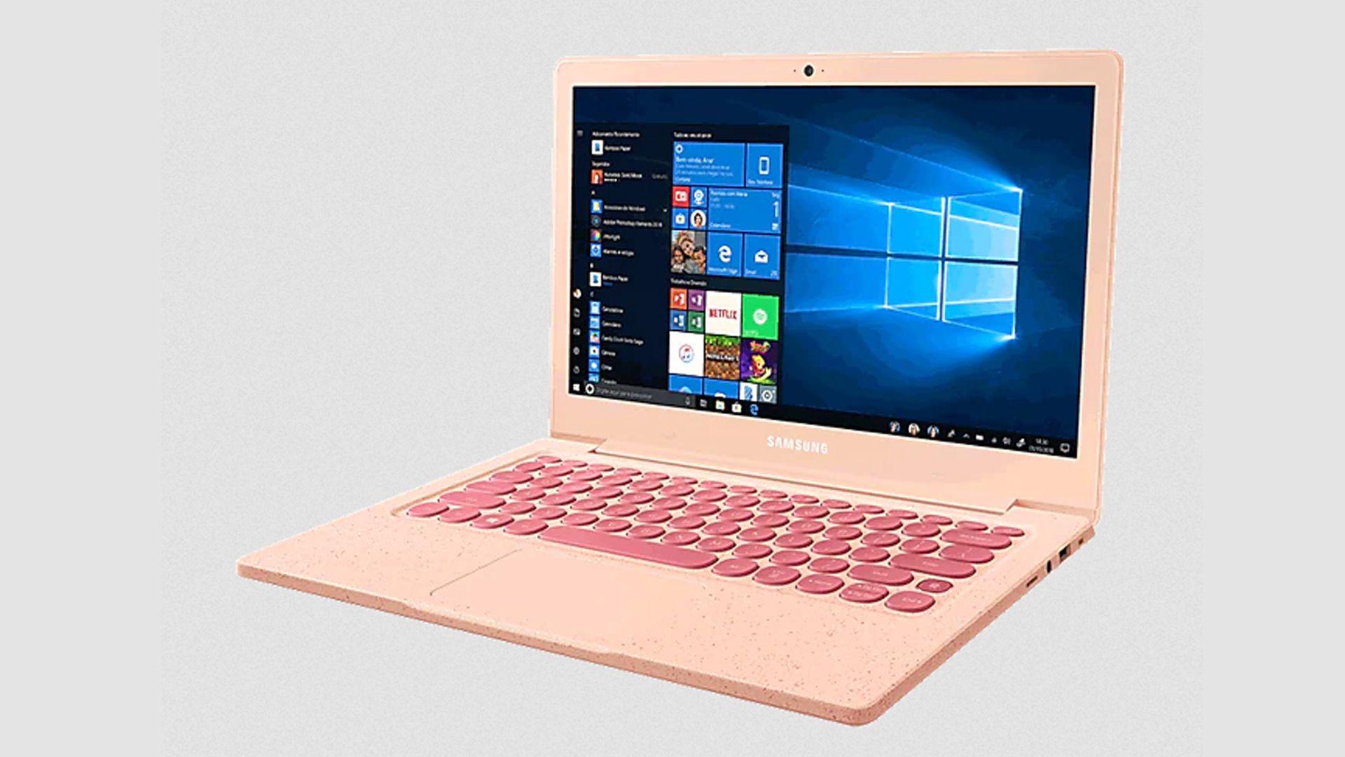 O notebook Samsung Flash F30 rosa é ideal para atividades básicas. (Fonte: Reprodução)