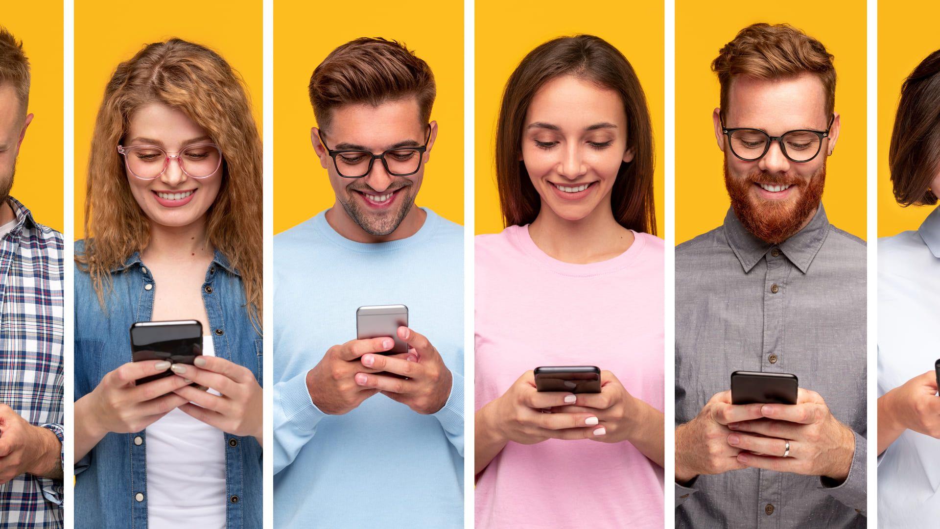 Diferentes pessoas segurando smartphones
