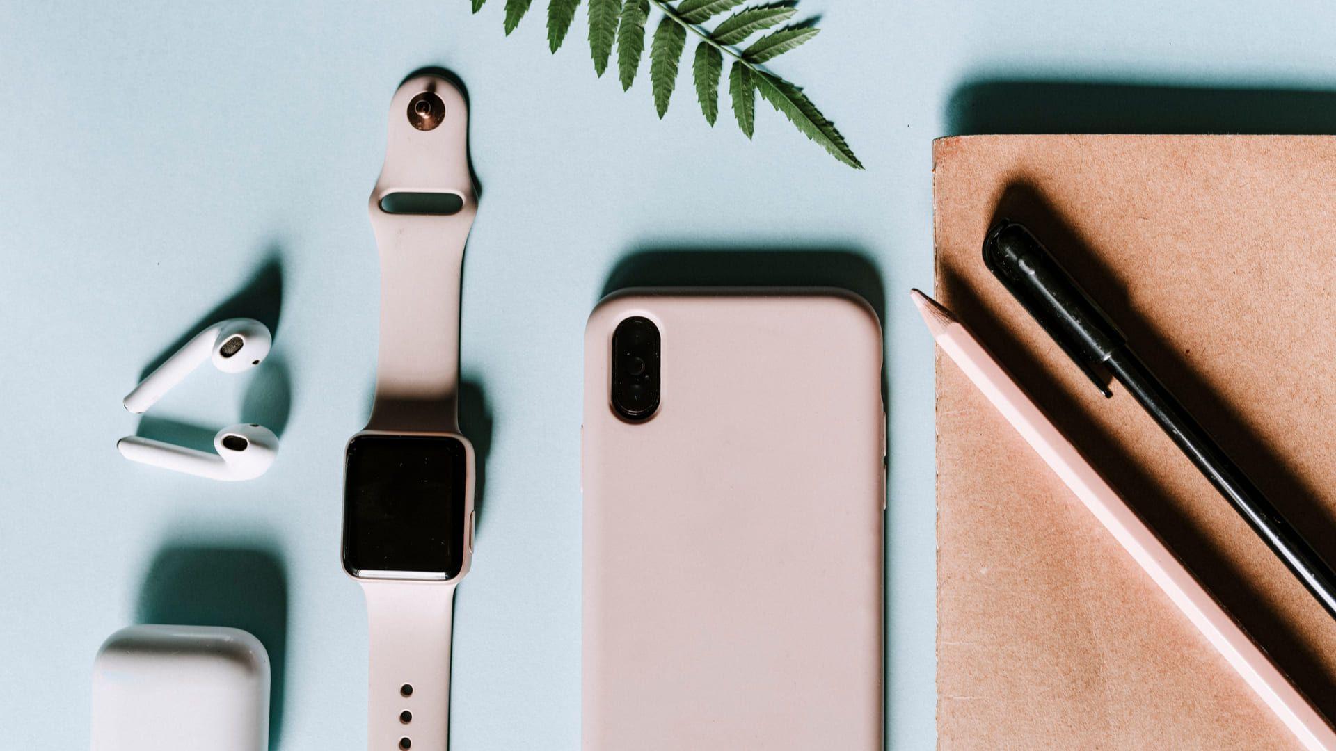 Smartwatch Apple é compatível com outros dispositivos da marca (Foto: Shutterstock)