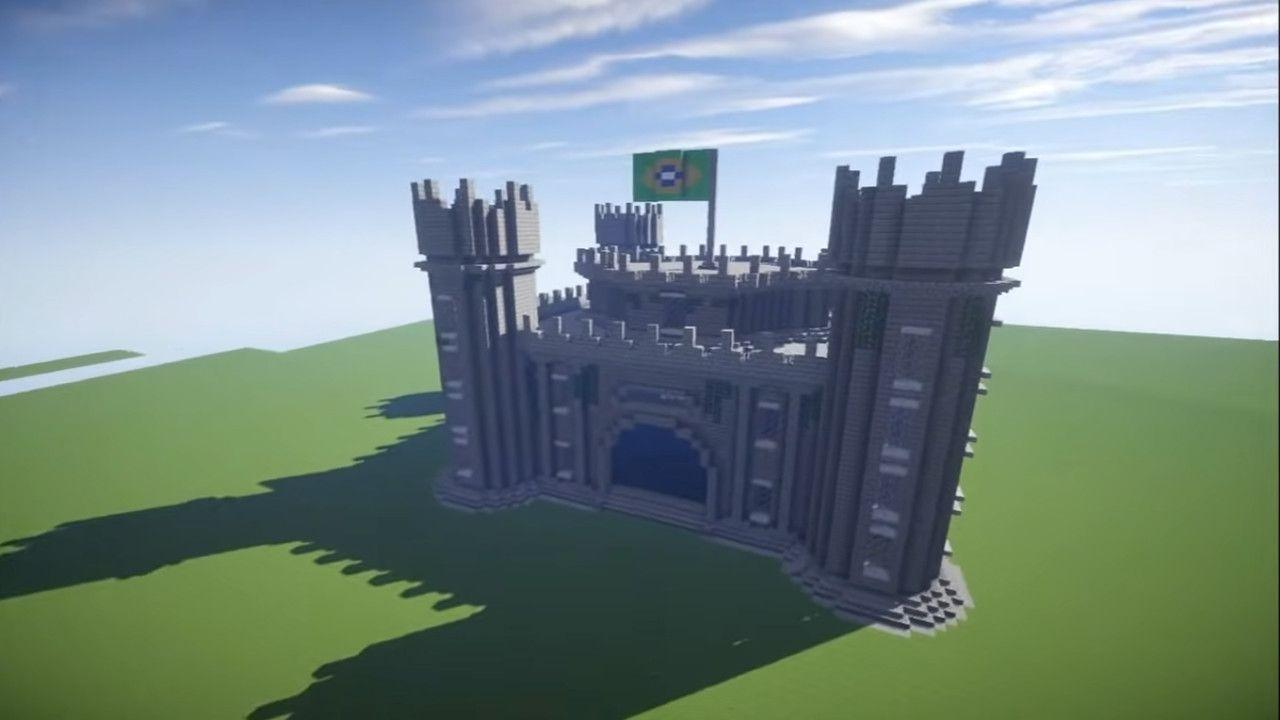 Casa Minecraft em formato de castelo com a bandeira nacional