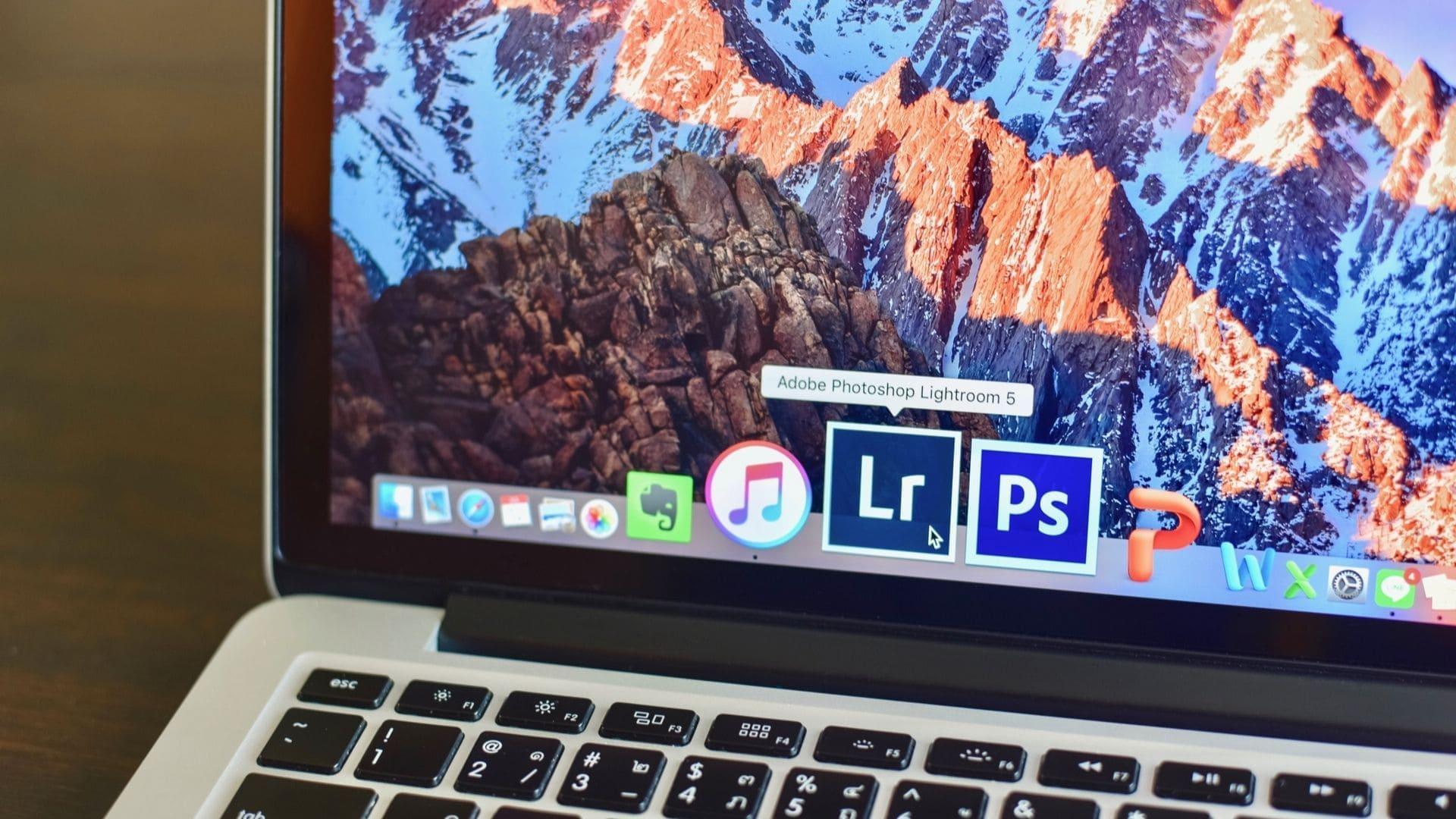 Tela de notebook mostra ícone de editor de fotos para PC Adobe Lightroom