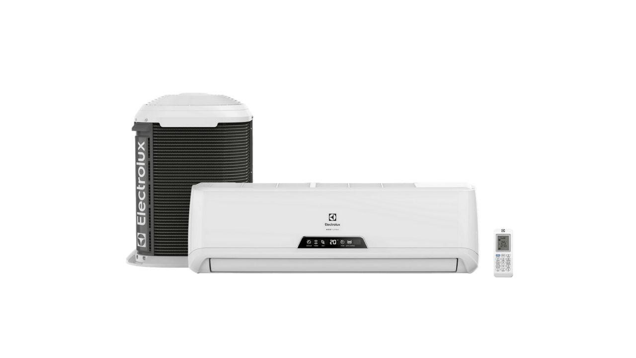 Ar-condicionado split Electrolux Ecoturbo ao lado da condensadora externa e do controle remoto, tudo em fundo branco.
