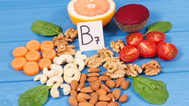 Entenda o que é, para que serve e quais os benefícios da biotina! (Imagem: Reprodução/Shutterstock)