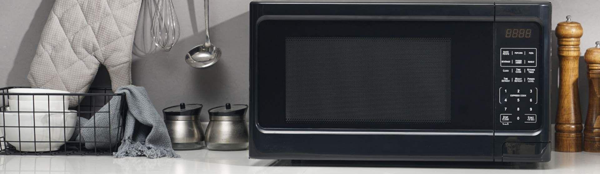 Micro-ondas preto: 4 opções para a sua cozinha