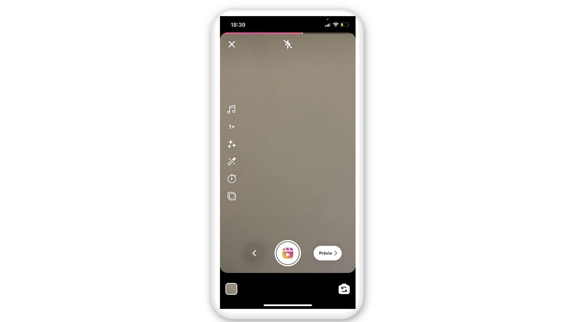 """Print mostra etapa final e opção de """"Prévia"""" em uma tela de celular com fundo branco"""