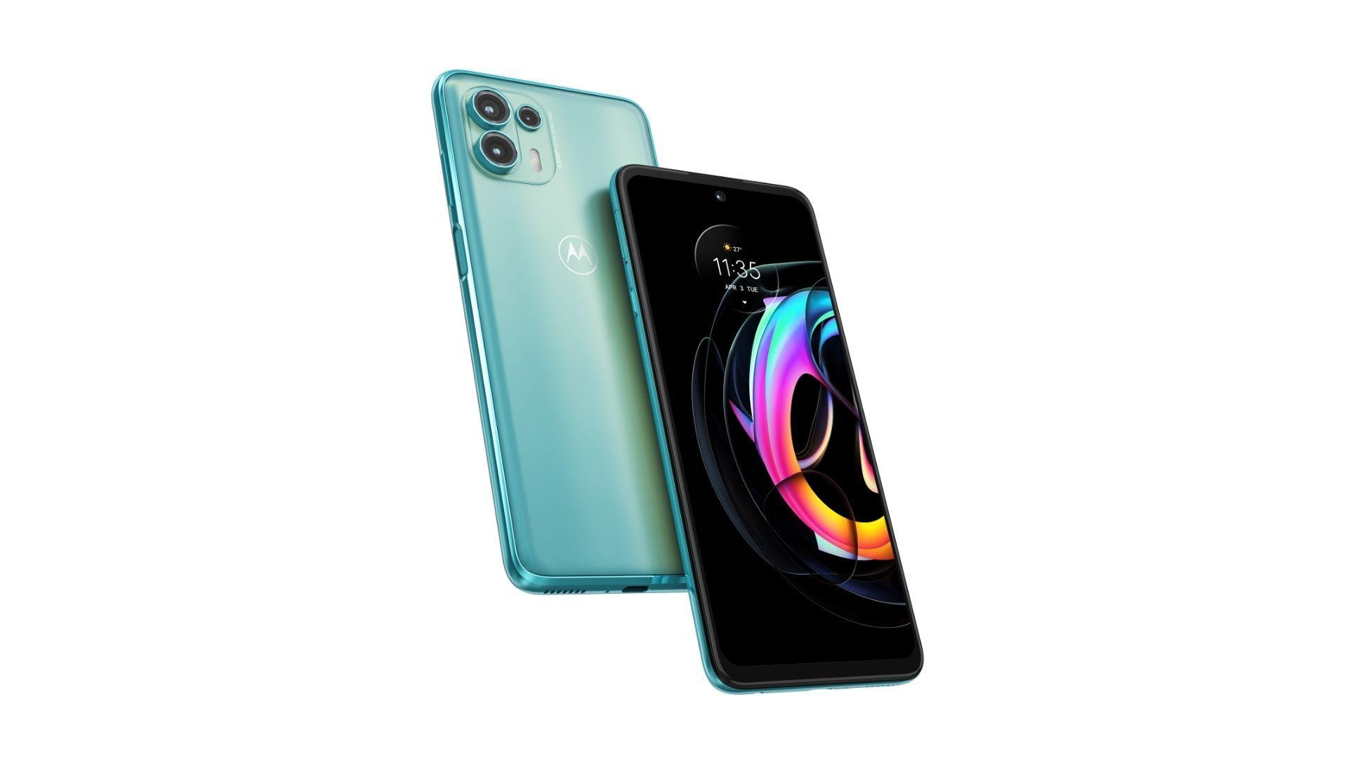 Foto mostra Motorola Edge Lite em dois ângulos diferentes