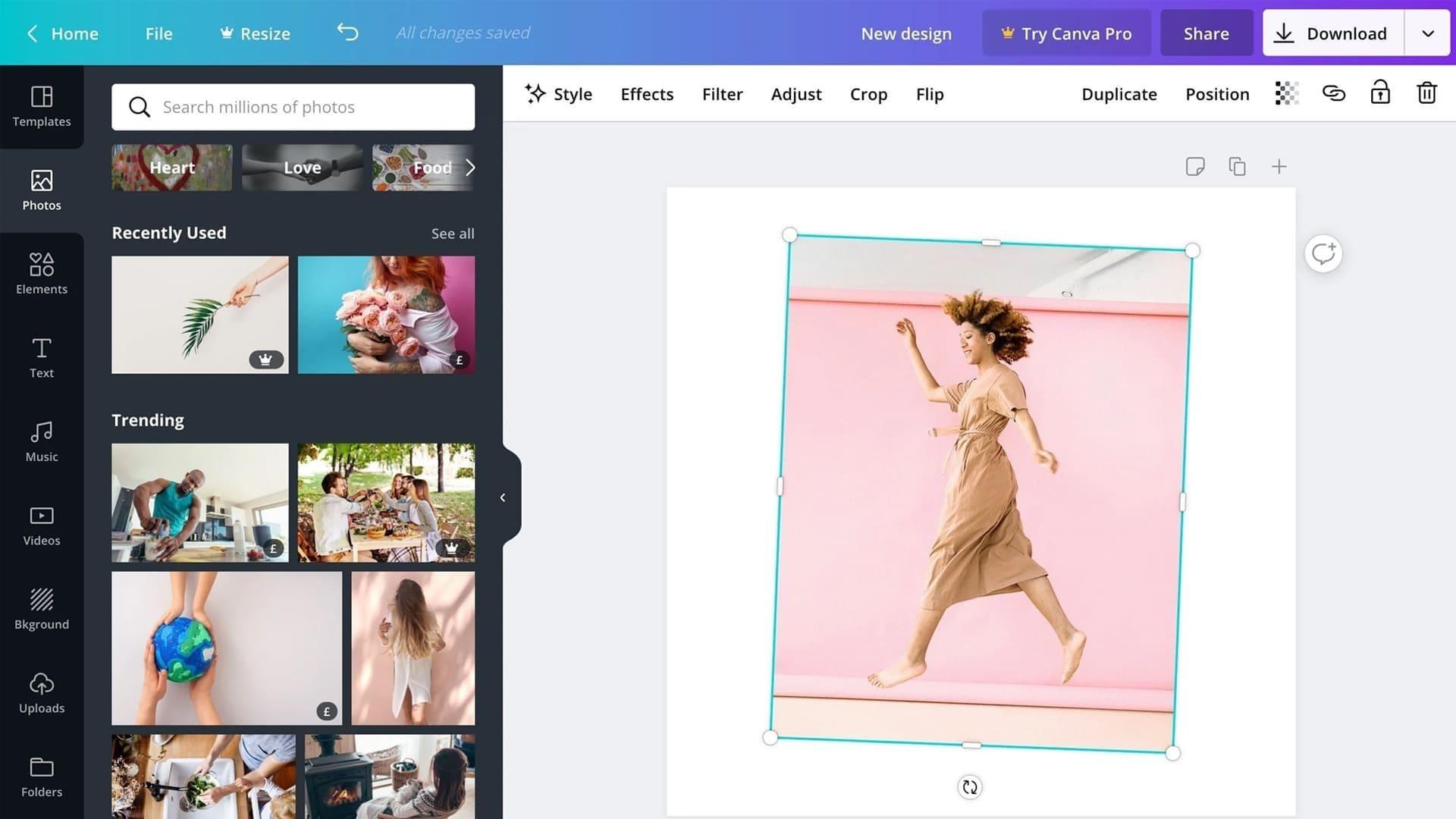 Captura de tela que mostra o editor de fotos Canva