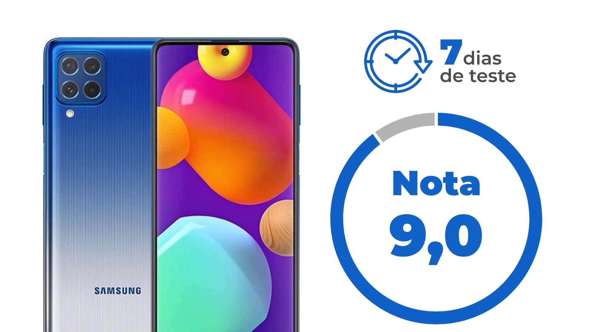 """Galaxy M62 ao lado dos escritos """"7 dias de teste"""" e """"Nota 9"""", em fundo branco."""