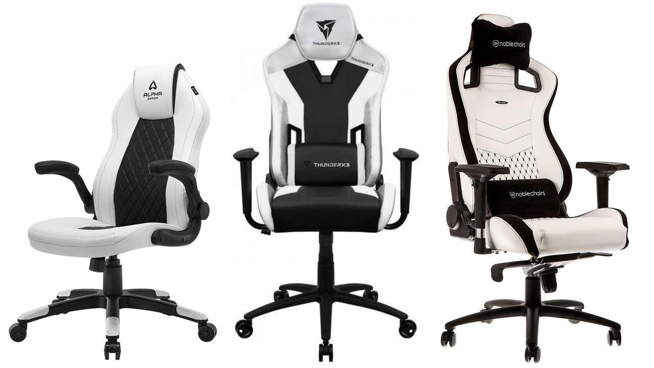 Três modelos de cadeira branca com detalhes pretos no fundo branco