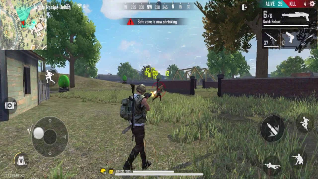 Personagem atira em outro no game Free Fire