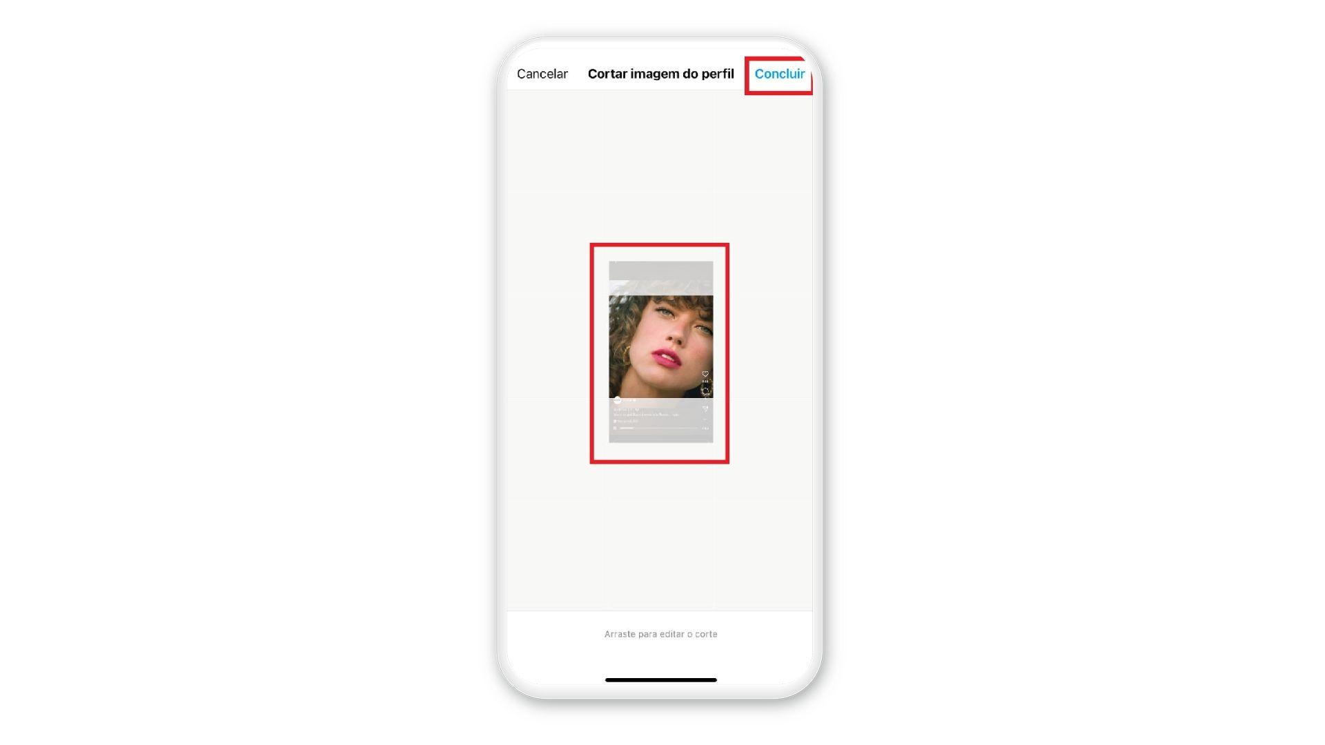 """Print mostra opção de """"Concluir"""" depois de corta imagem de capa em tela de celular em fundo branco"""