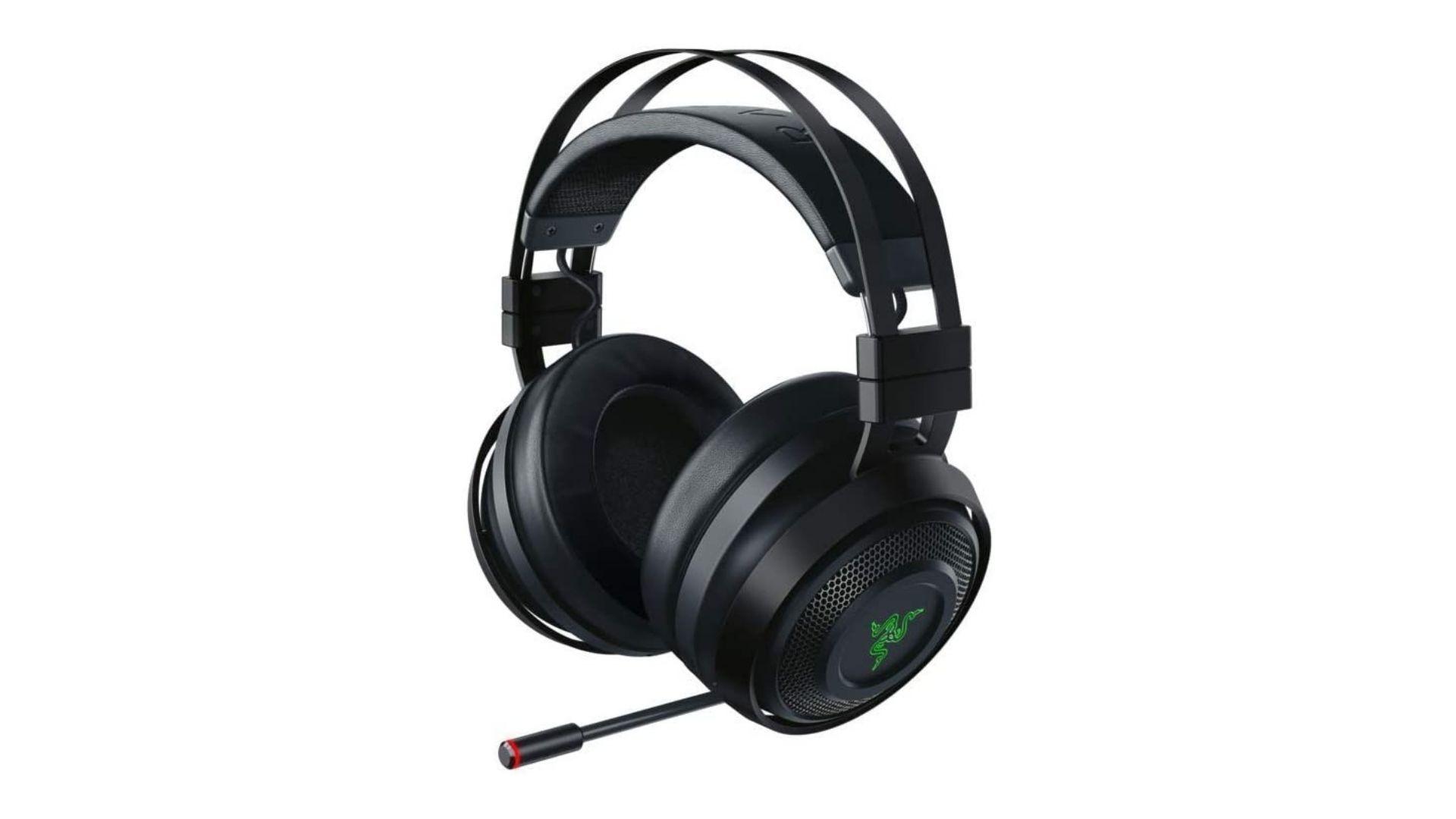 Headset Razer Nari Ultimate preto com detalhes verdes em fundo branco